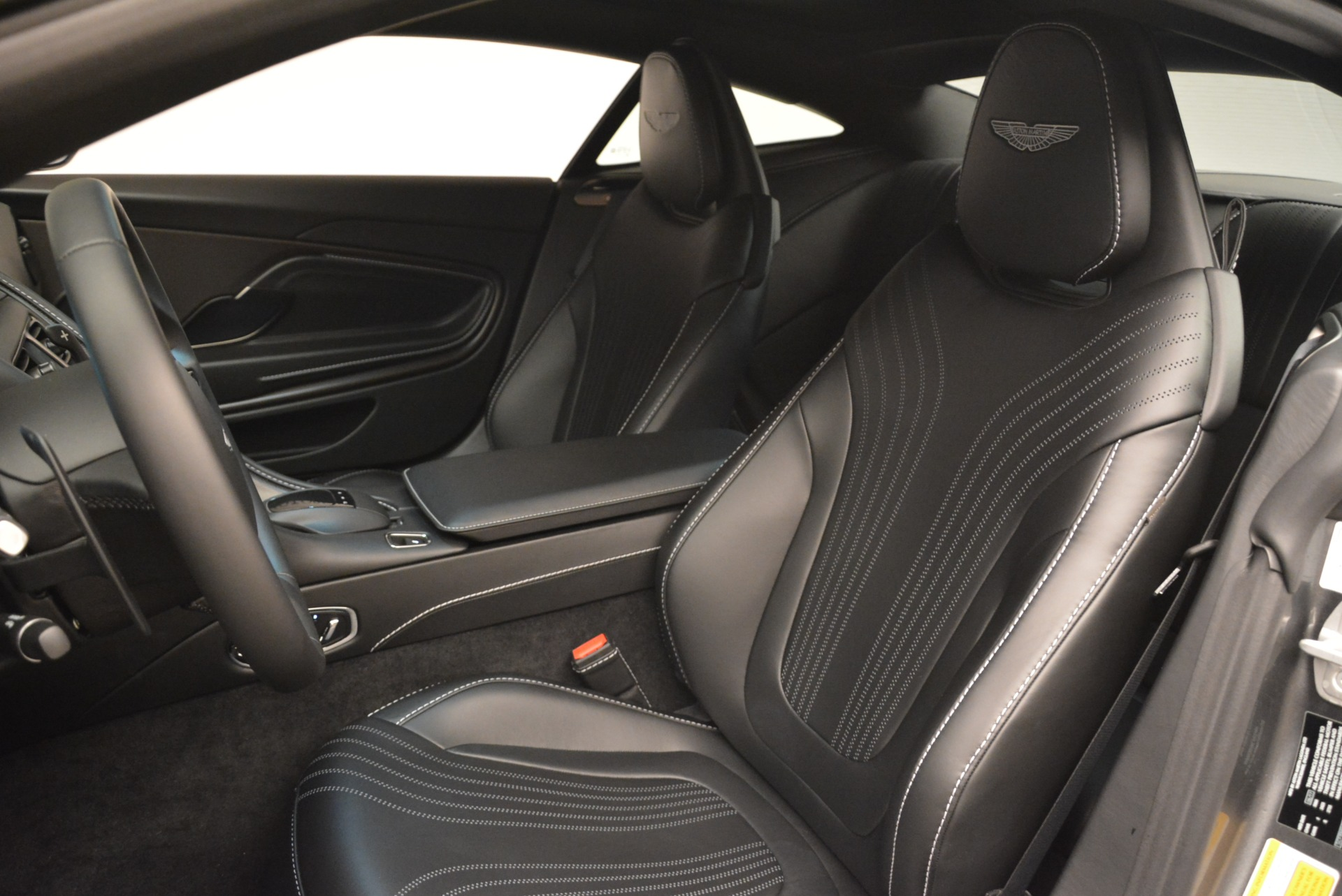 New 2018 Aston Martin DB11 V12 Coupe For Sale In Greenwich, CT 2228_p15