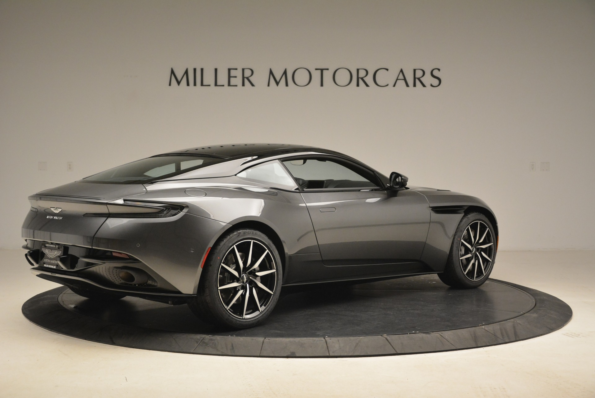 New 2018 Aston Martin DB11 V12 Coupe For Sale In Greenwich, CT 2228_p8