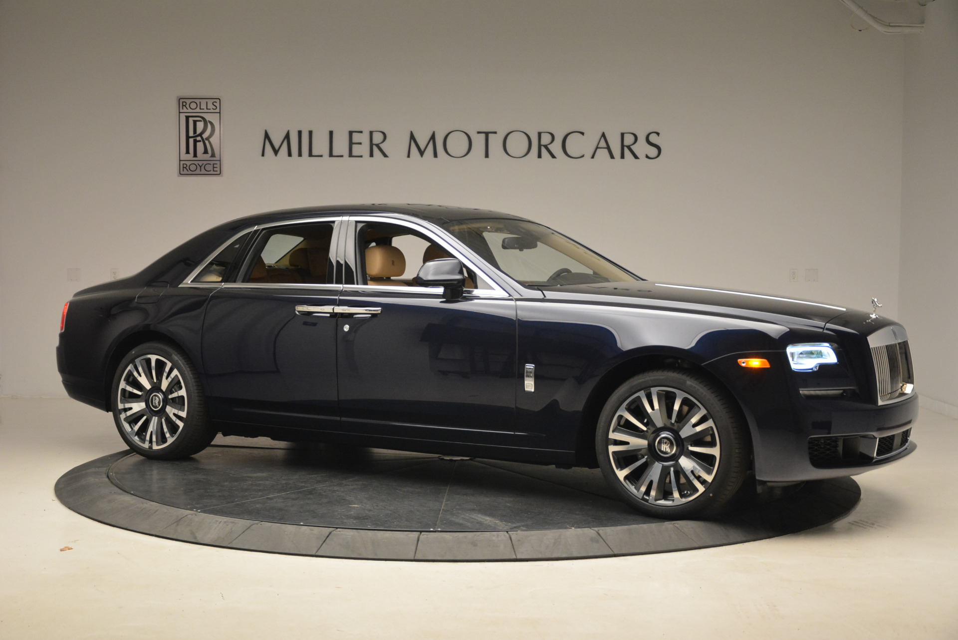 Used 2018 Rolls-Royce Ghost  For Sale In Greenwich, CT 2231_p11