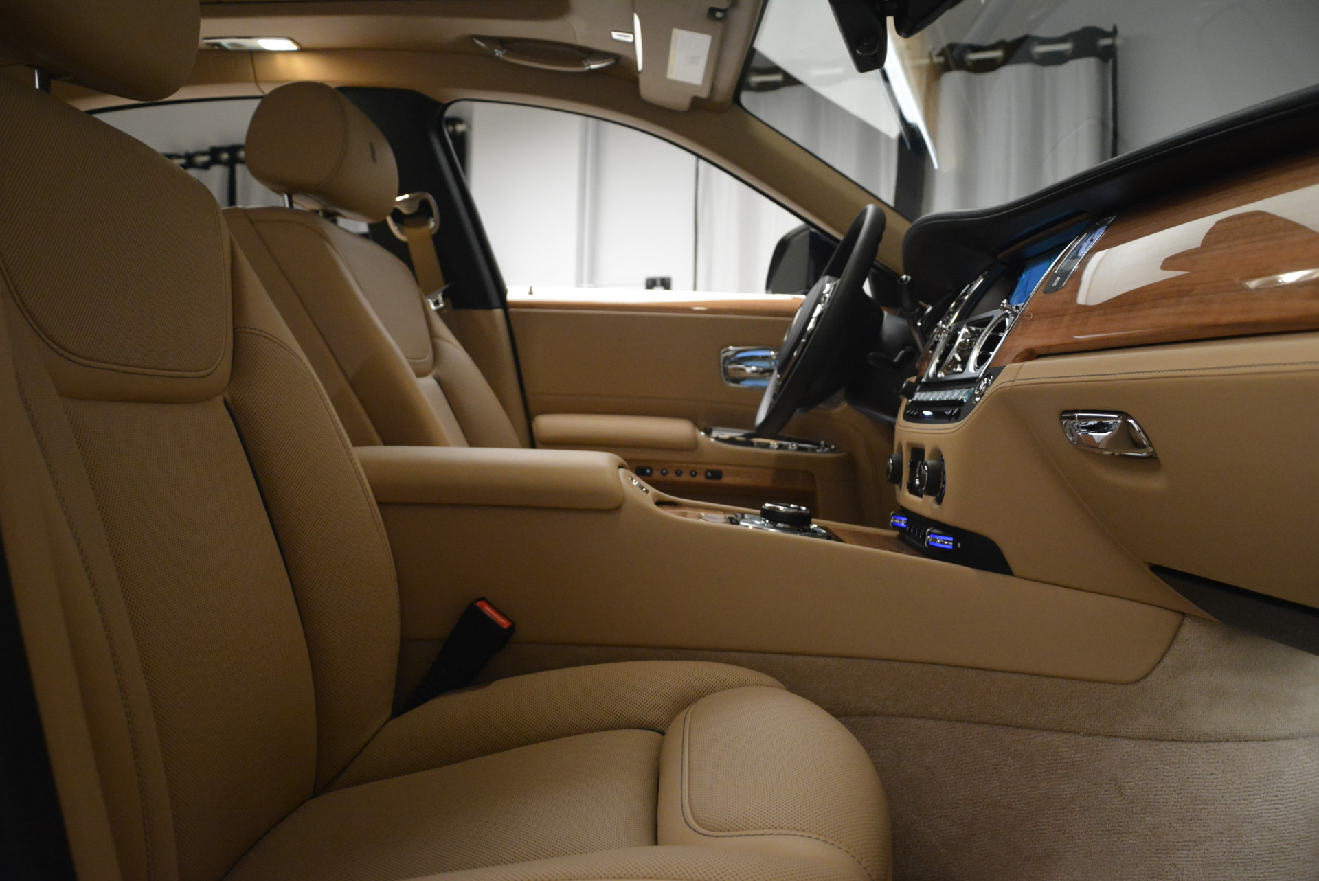 Used 2018 Rolls-Royce Ghost  For Sale In Greenwich, CT 2231_p27