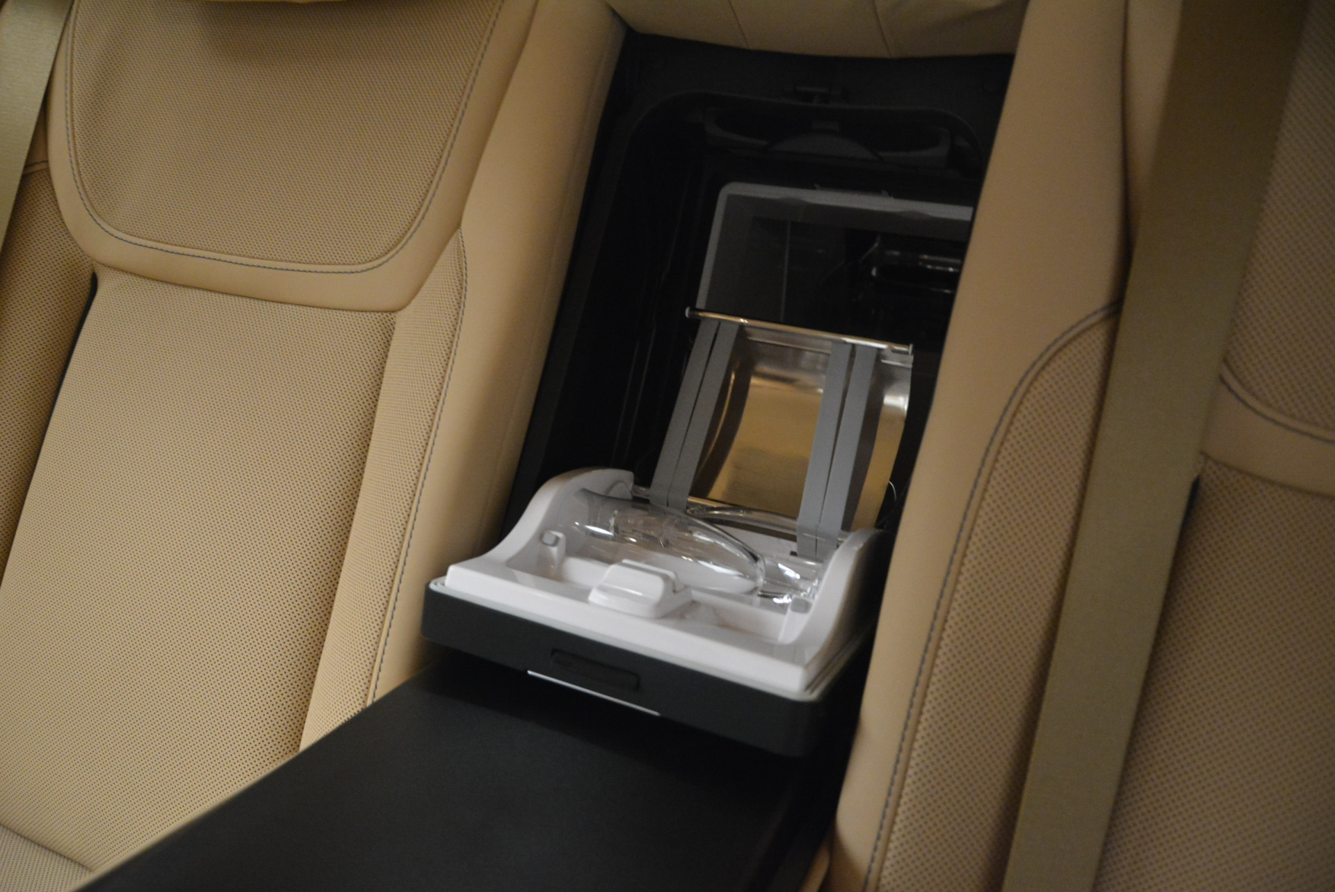 Used 2018 Rolls-Royce Ghost  For Sale In Greenwich, CT 2231_p31
