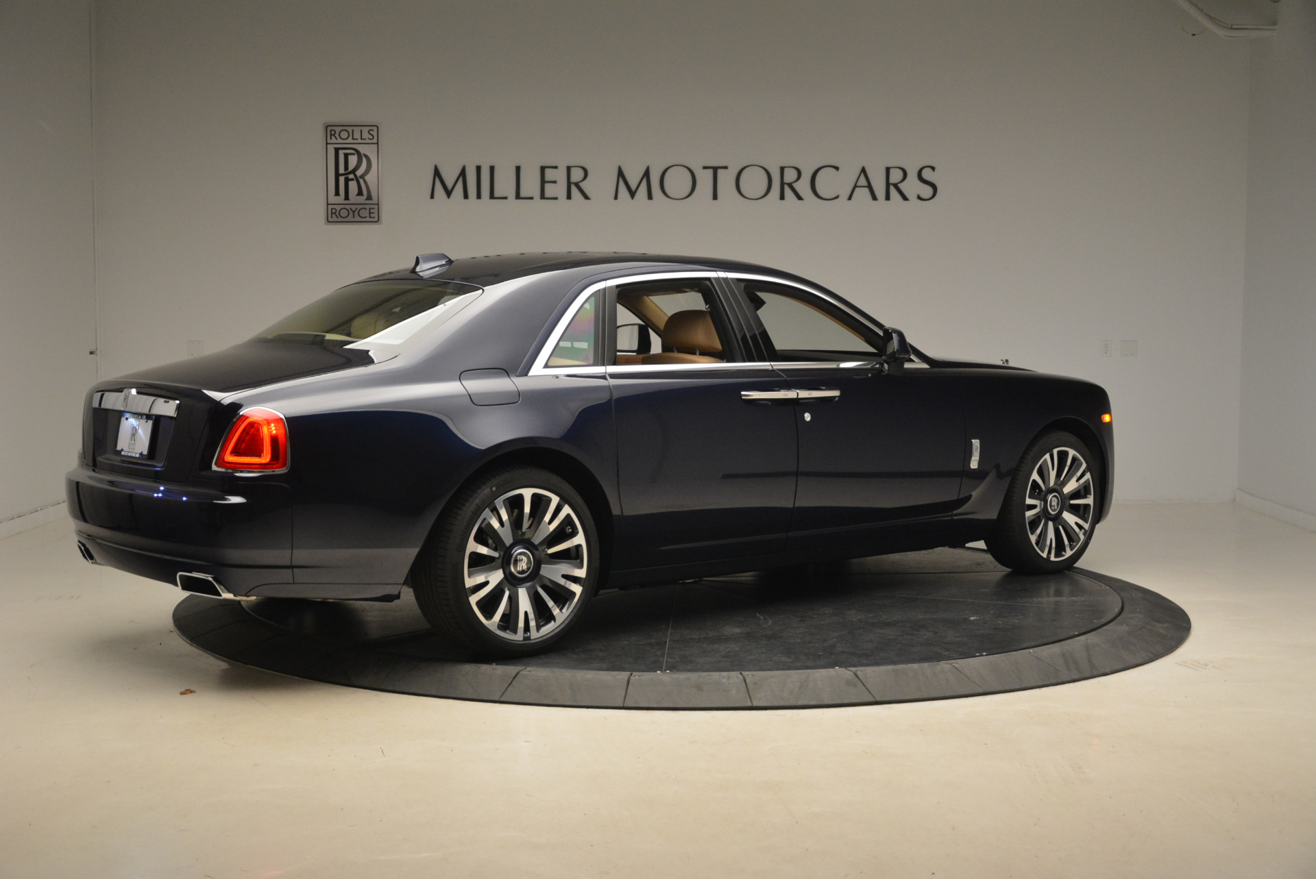Used 2018 Rolls-Royce Ghost  For Sale In Greenwich, CT 2231_p9