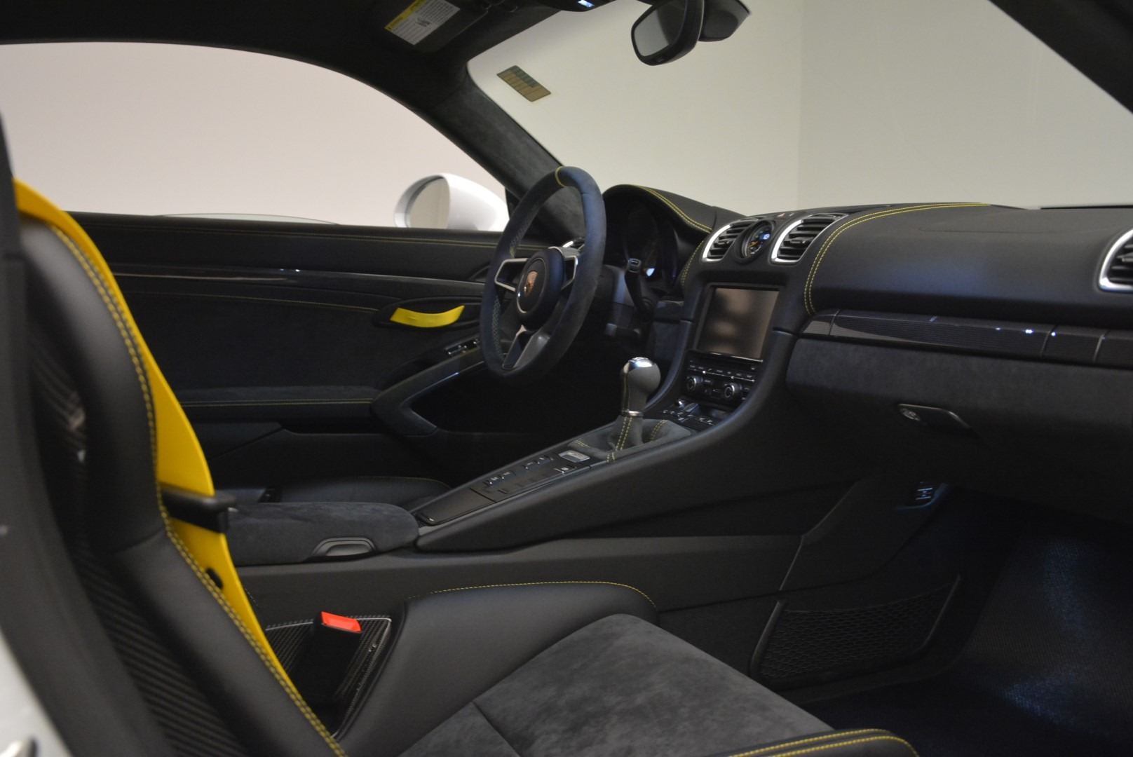 Used 2016 Porsche Cayman GT4 For Sale In Greenwich, CT 2234_p18