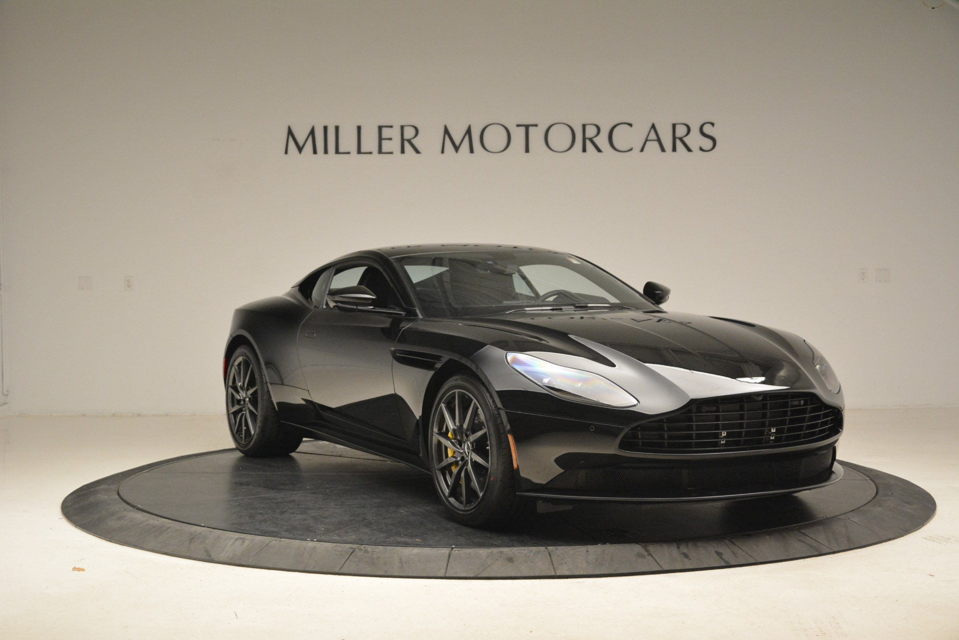 New 2018 Aston Martin DB11 V8 Coupe For Sale In Greenwich, CT 2237_p11