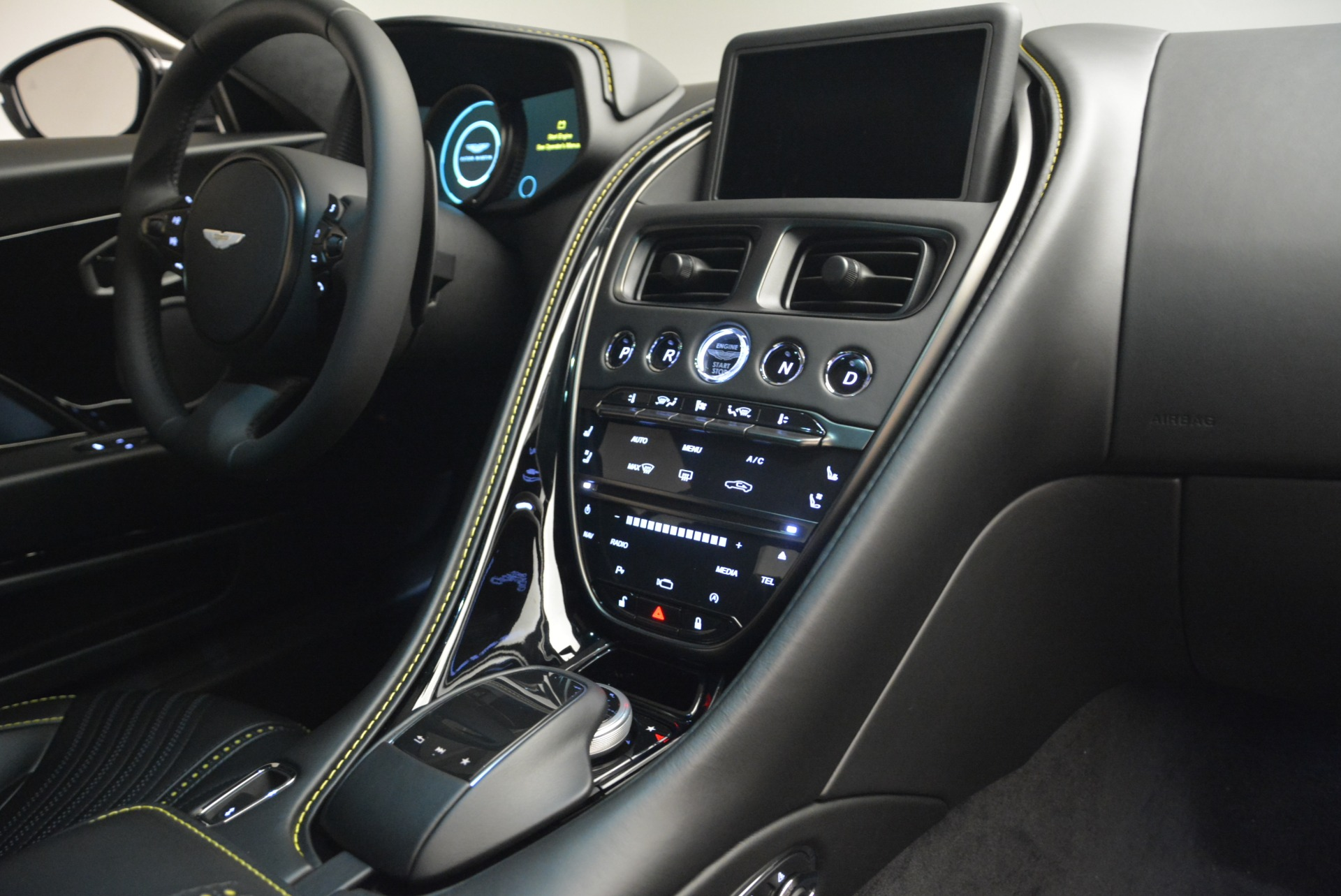 New 2018 Aston Martin DB11 V8 Coupe For Sale In Greenwich, CT 2237_p19