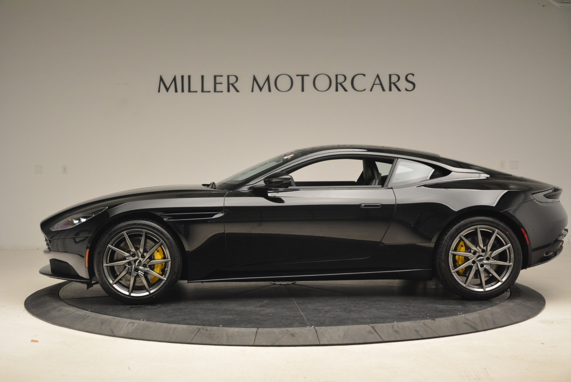 New 2018 Aston Martin DB11 V8 Coupe For Sale In Greenwich, CT 2237_p3