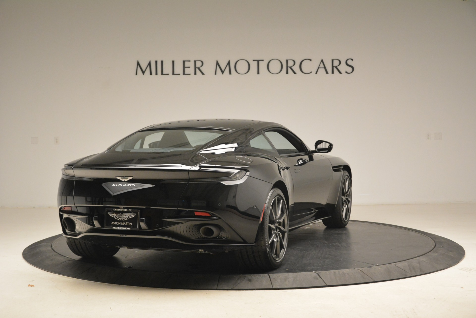 New 2018 Aston Martin DB11 V8 Coupe For Sale In Greenwich, CT 2237_p7
