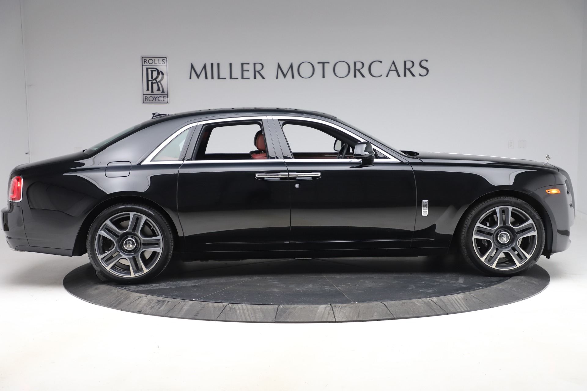 New 2016 Rolls-Royce Ghost Series II  For Sale In Greenwich, CT 224_p10