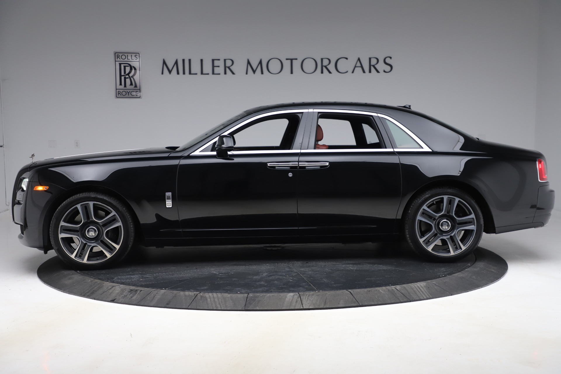 New 2016 Rolls-Royce Ghost Series II  For Sale In Greenwich, CT 224_p3