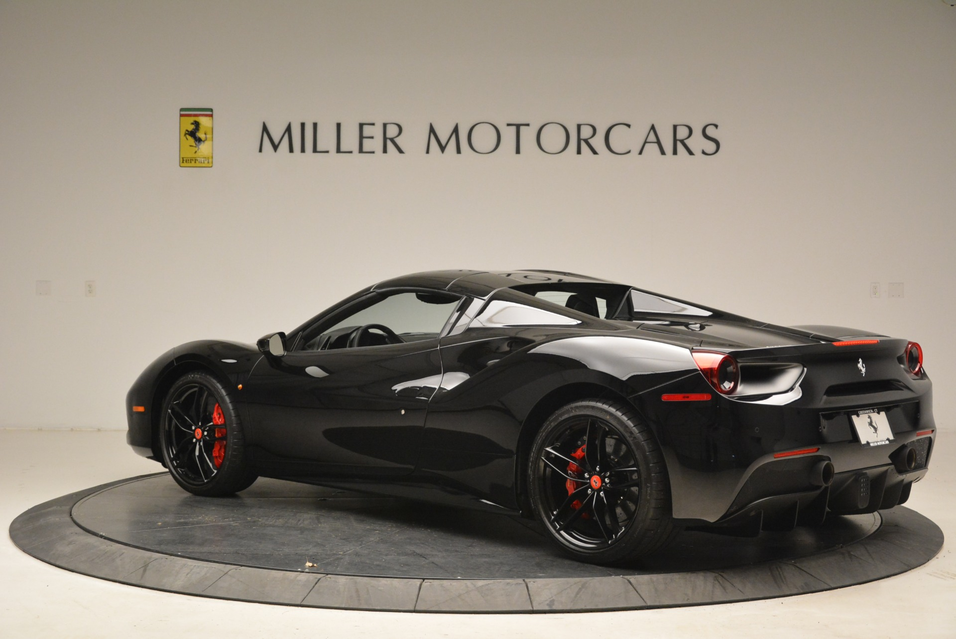 Used 2018 Ferrari 488 Spider  For Sale In Greenwich, CT 2245_p16