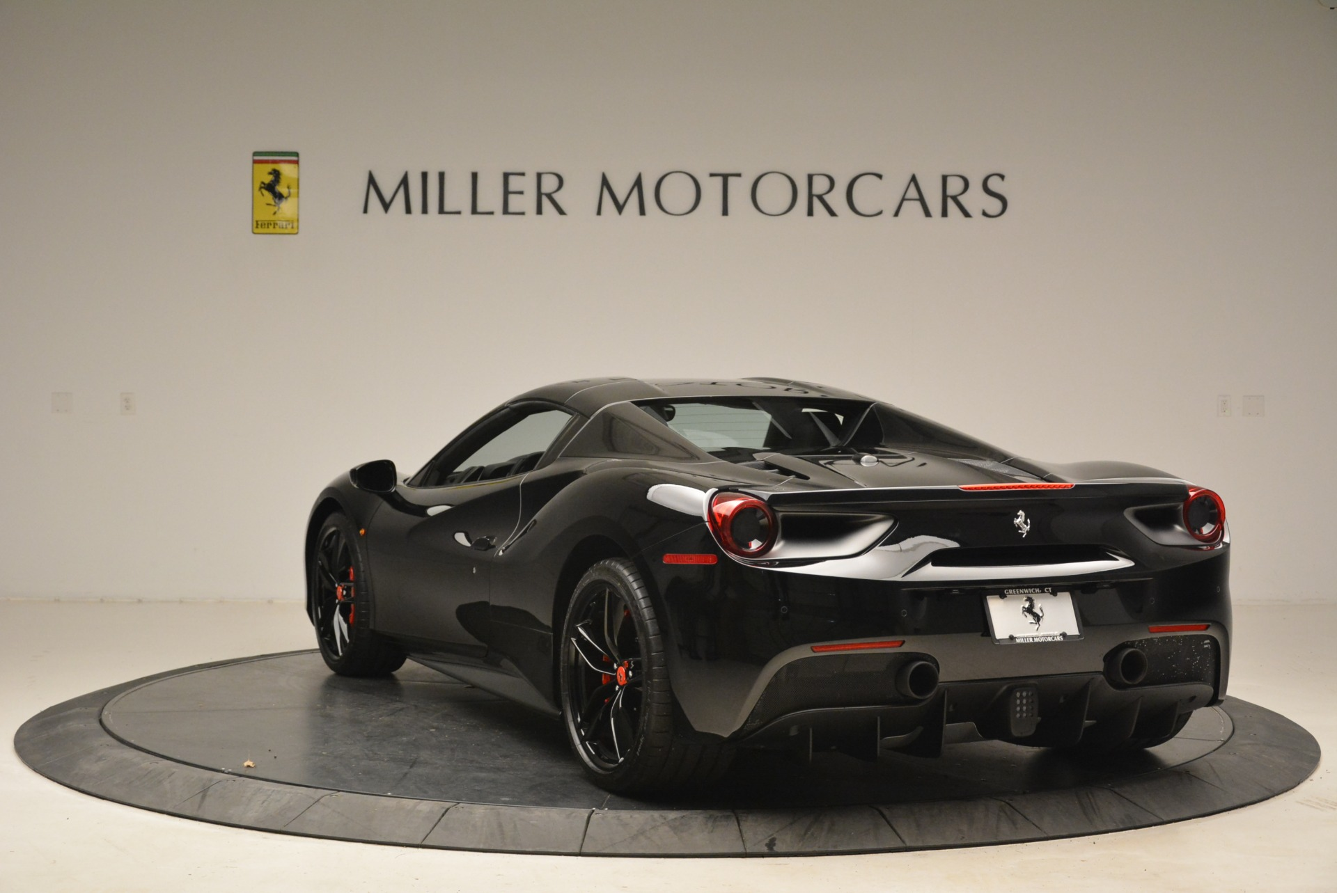 Used 2018 Ferrari 488 Spider  For Sale In Greenwich, CT 2245_p17