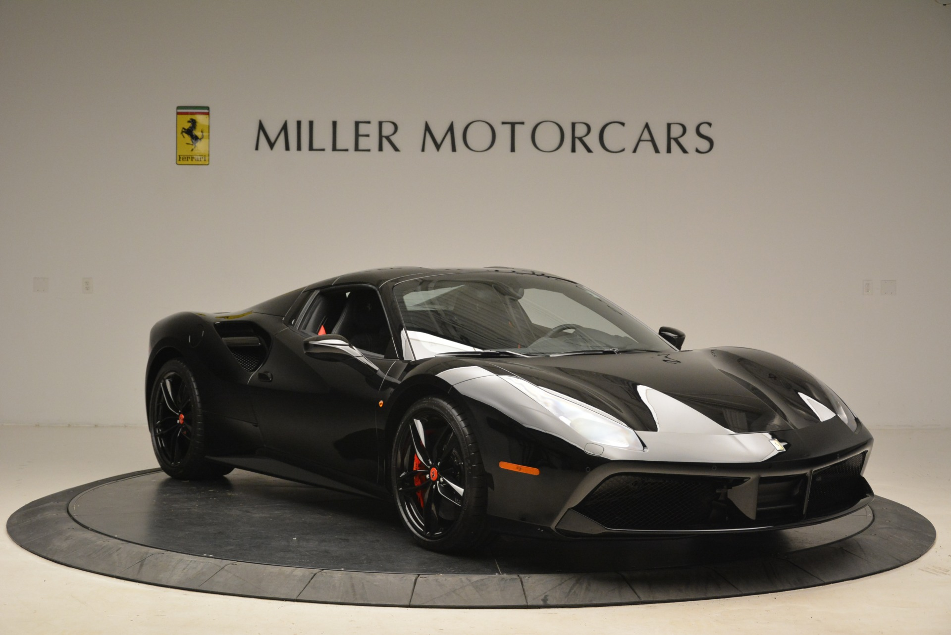 Used 2018 Ferrari 488 Spider  For Sale In Greenwich, CT 2245_p23