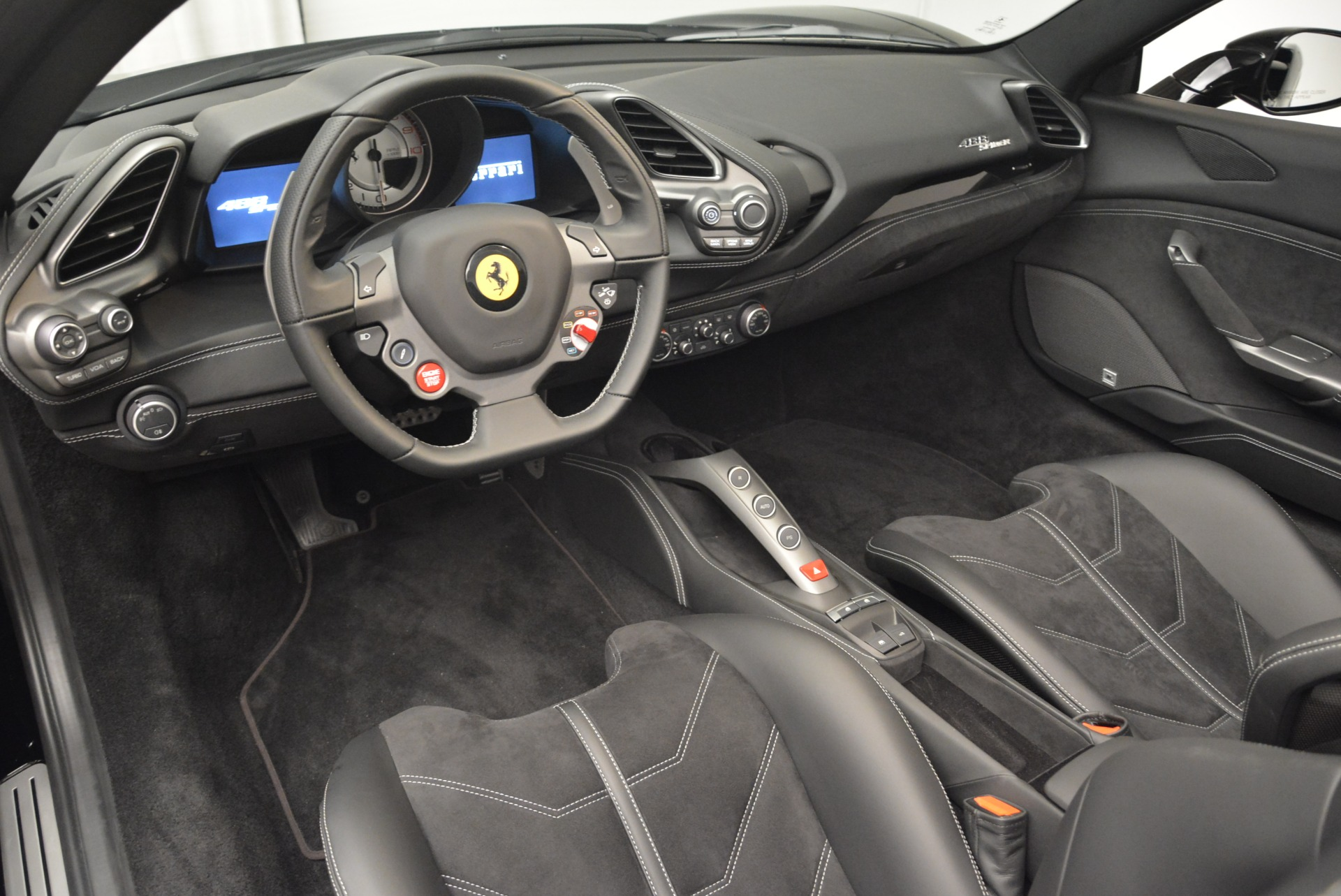 Used 2018 Ferrari 488 Spider  For Sale In Greenwich, CT 2245_p25