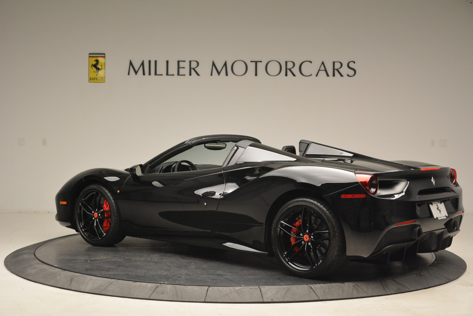 Used 2018 Ferrari 488 Spider  For Sale In Greenwich, CT 2245_p4