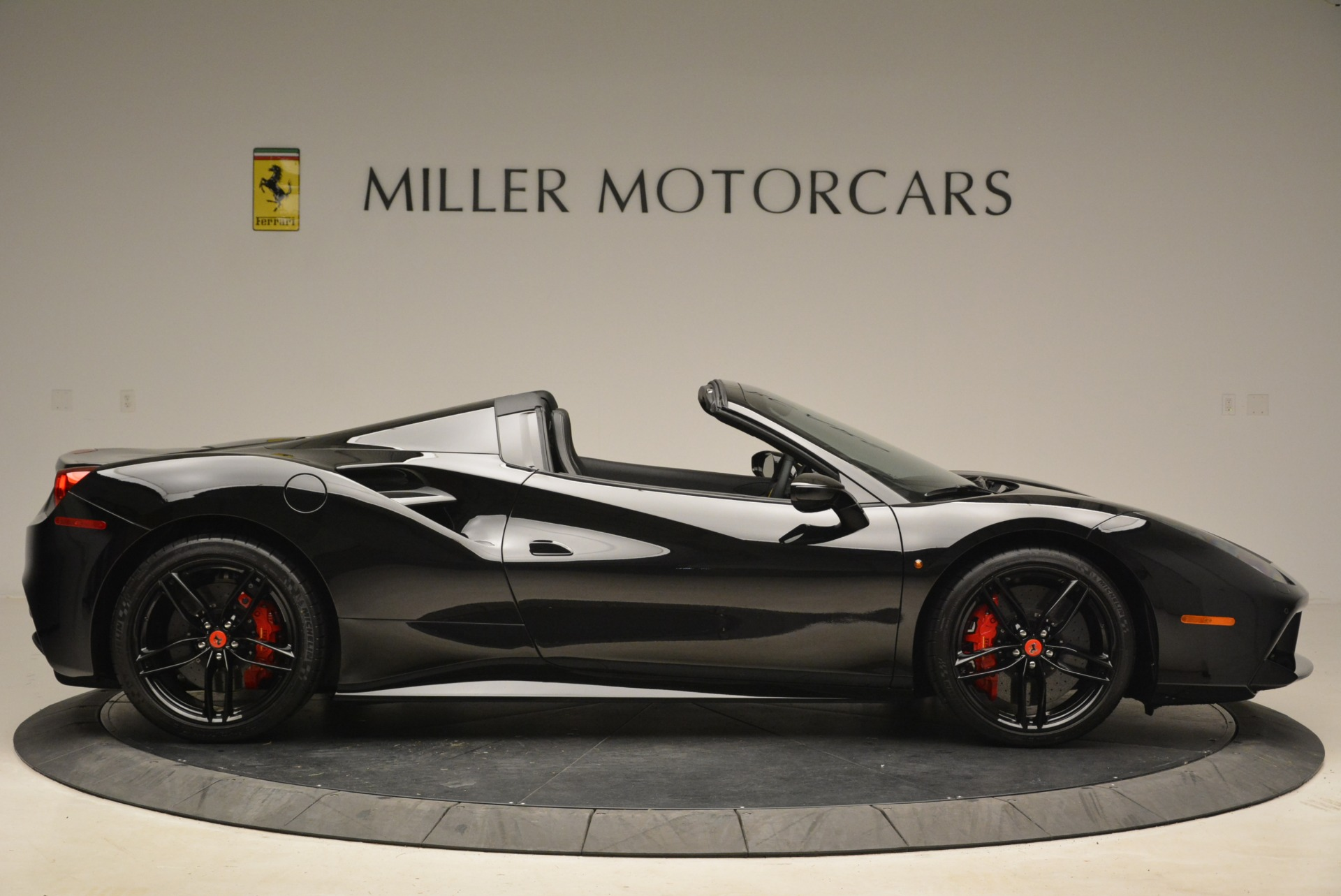 Used 2018 Ferrari 488 Spider  For Sale In Greenwich, CT 2245_p9
