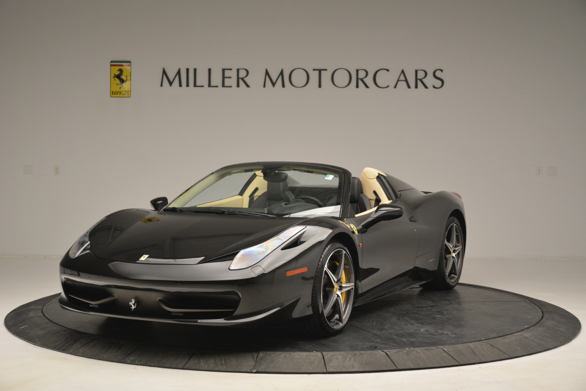 Used 2014 Ferrari 458 Spider  For Sale In Greenwich, CT 2258_main