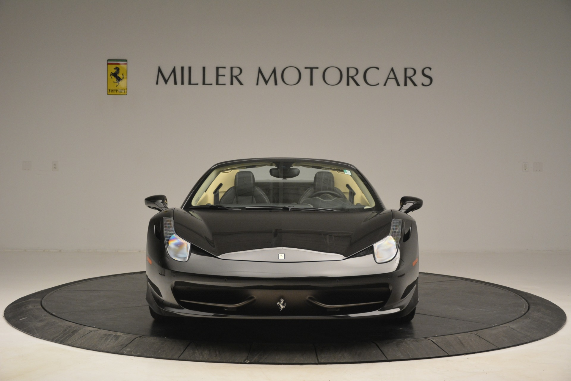 Used 2014 Ferrari 458 Spider  For Sale In Greenwich, CT 2258_p12