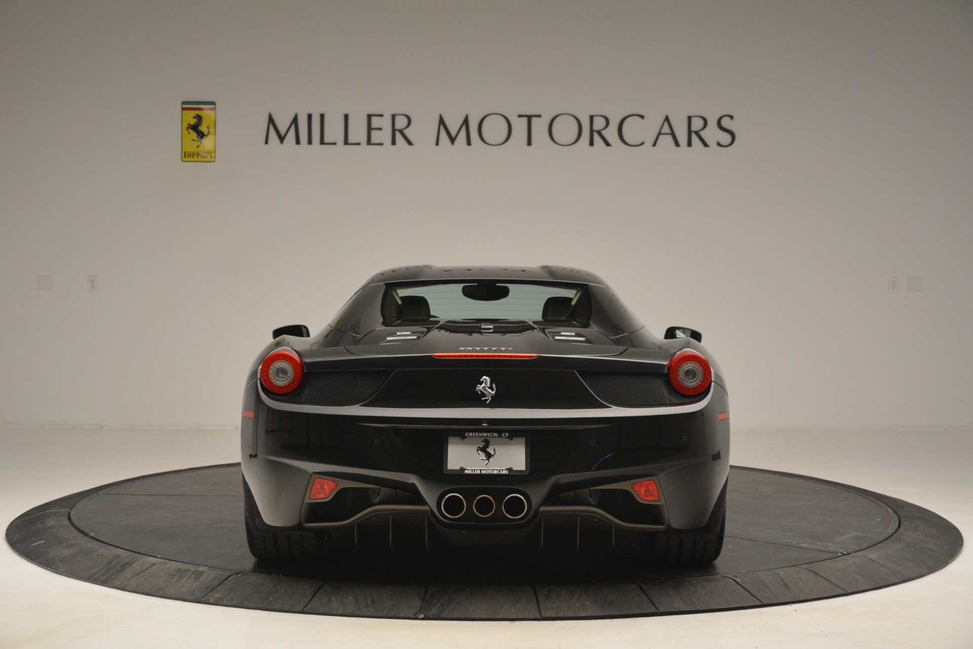 Used 2014 Ferrari 458 Spider  For Sale In Greenwich, CT 2258_p18
