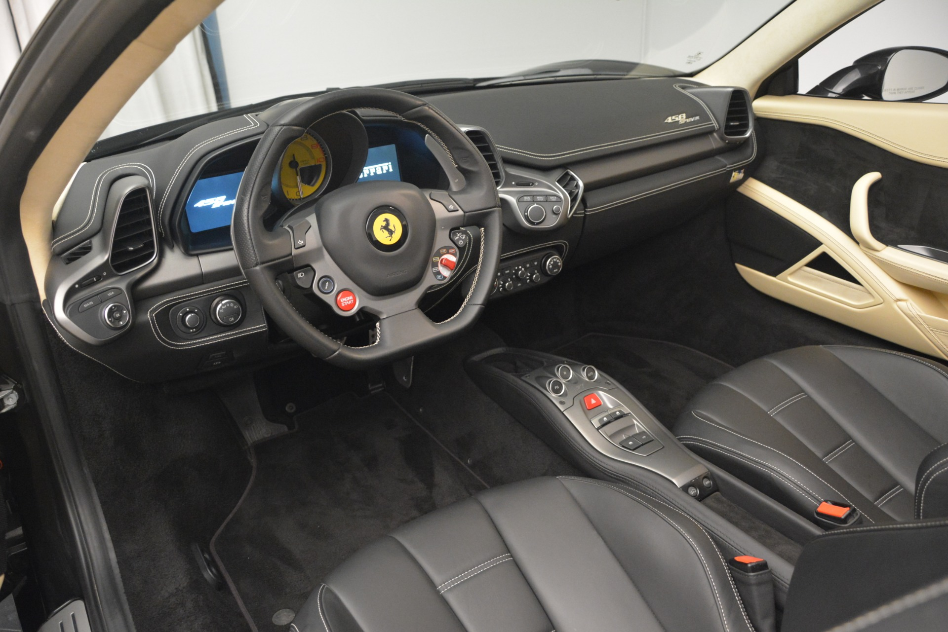 Used 2014 Ferrari 458 Spider  For Sale In Greenwich, CT 2258_p25