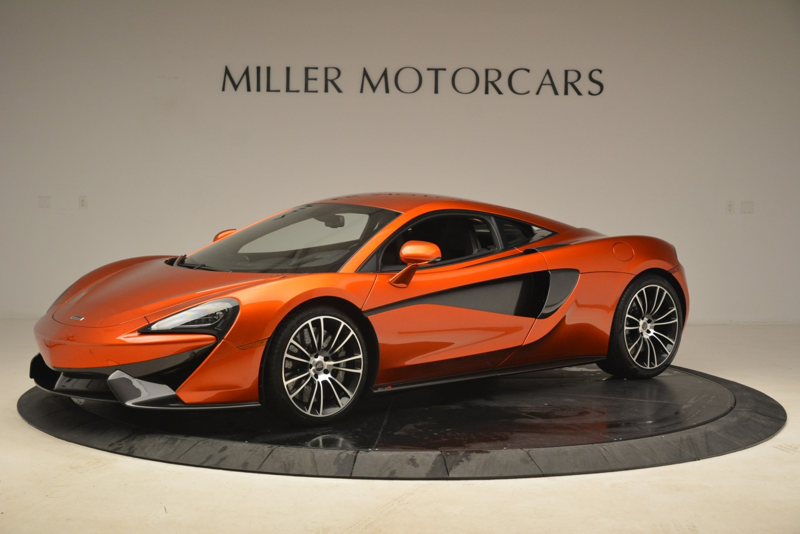 Used 2016 McLaren 570S  For Sale In Greenwich, CT 2261_p2