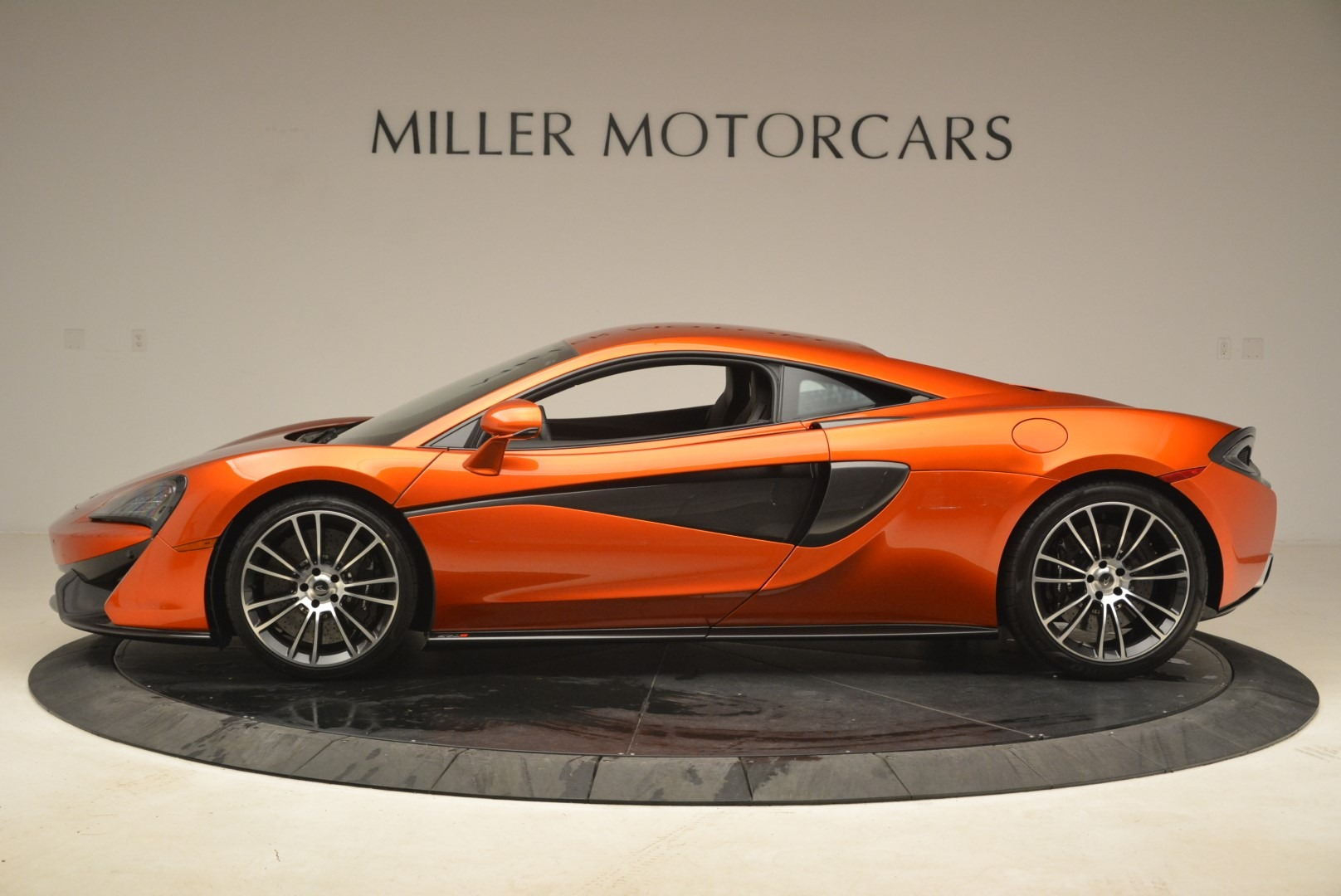Used 2016 McLaren 570S  For Sale In Greenwich, CT 2261_p3