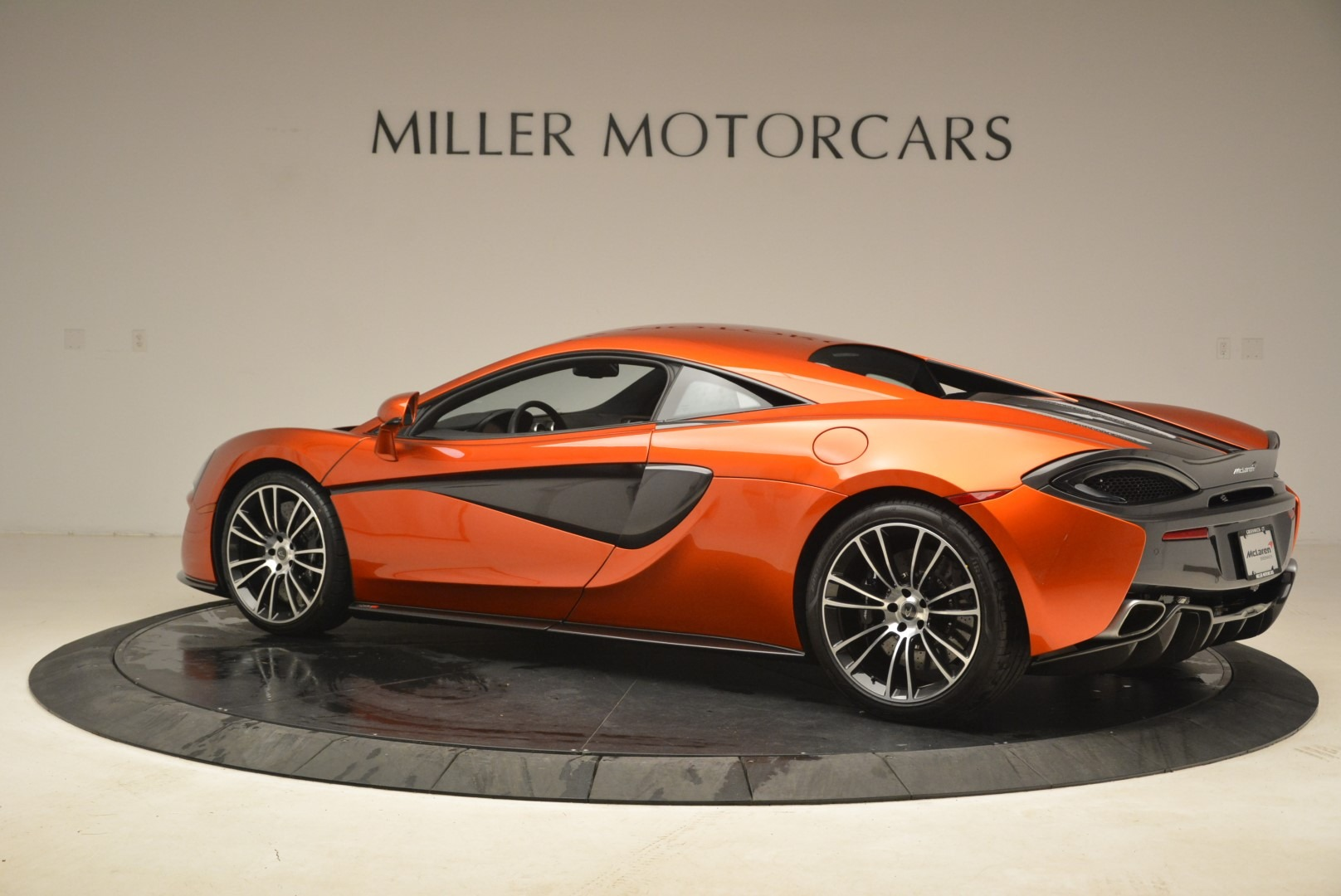 Used 2016 McLaren 570S  For Sale In Greenwich, CT 2261_p4