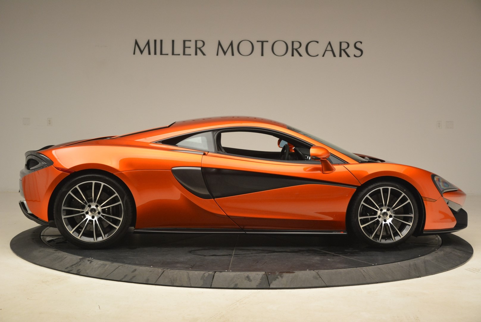 Used 2016 McLaren 570S  For Sale In Greenwich, CT 2261_p9