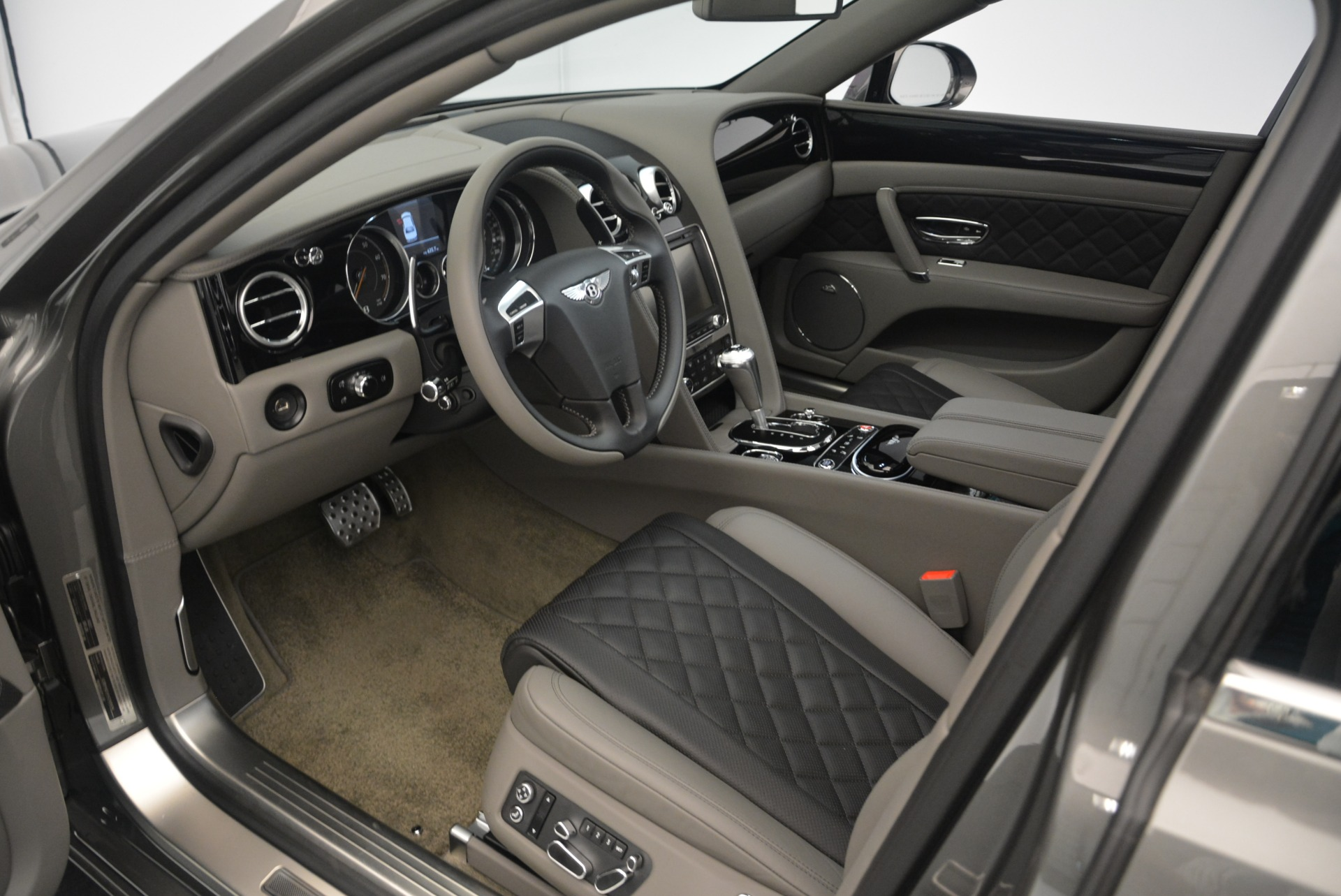 Used 2017 Bentley Flying Spur V8 S For Sale In Greenwich, CT 2263_p18