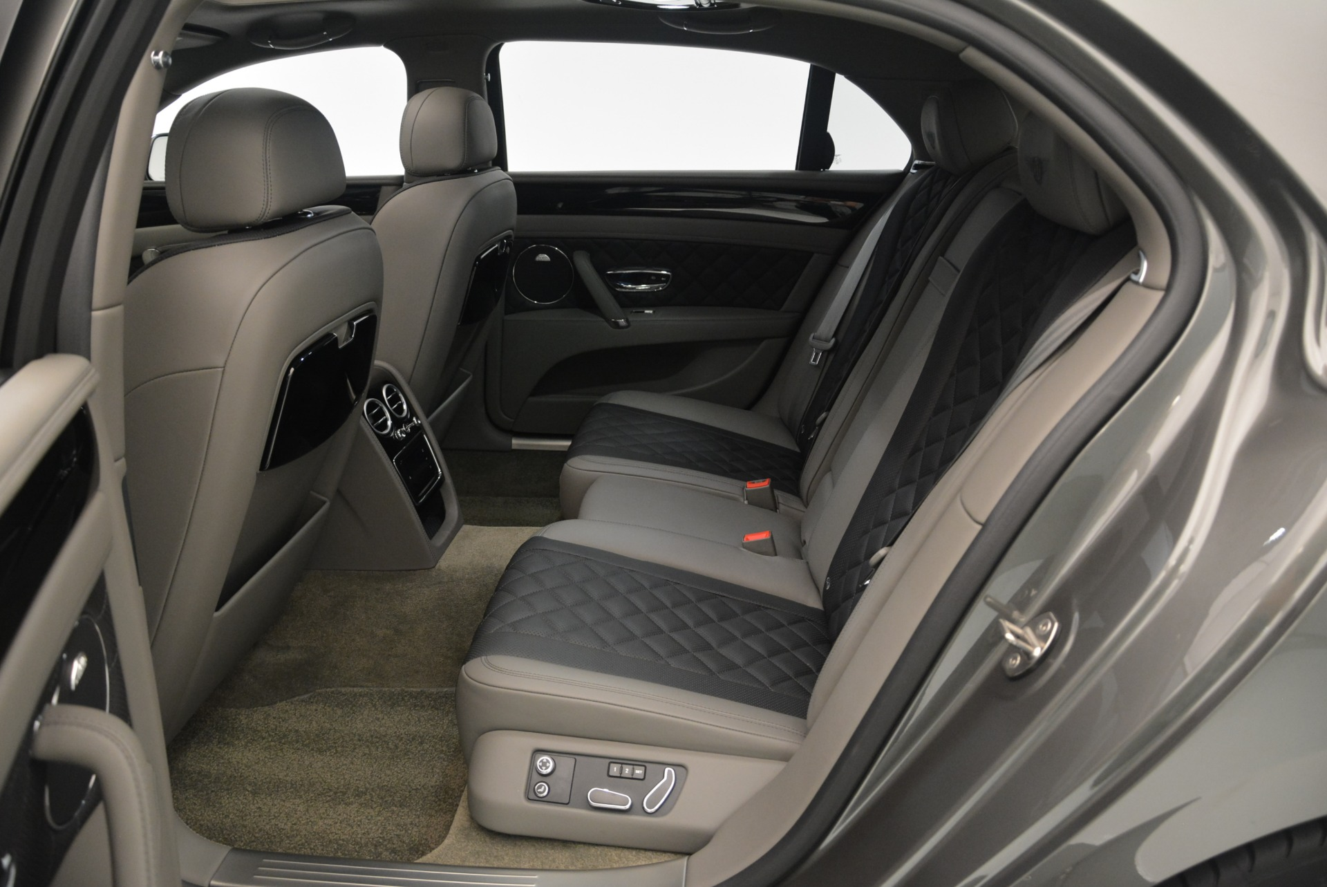 Used 2017 Bentley Flying Spur V8 S For Sale In Greenwich, CT 2263_p29