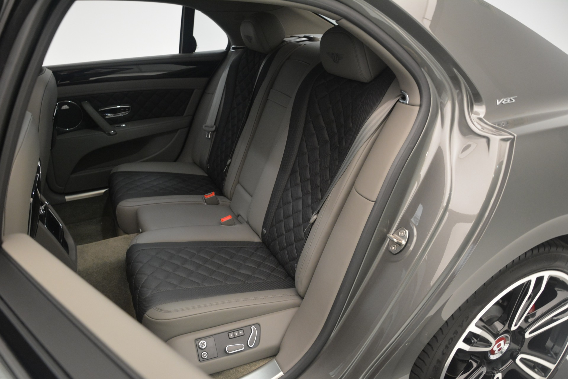 Used 2017 Bentley Flying Spur V8 S For Sale In Greenwich, CT 2263_p30