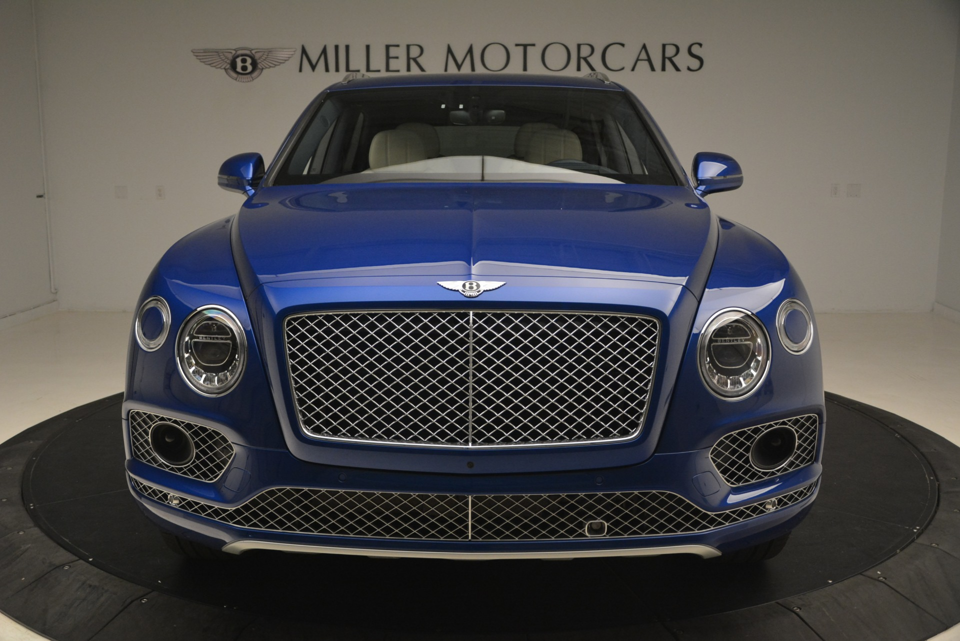 Used 2018 Bentley Bentayga W12 Signature For Sale In Greenwich, CT 2265_p15