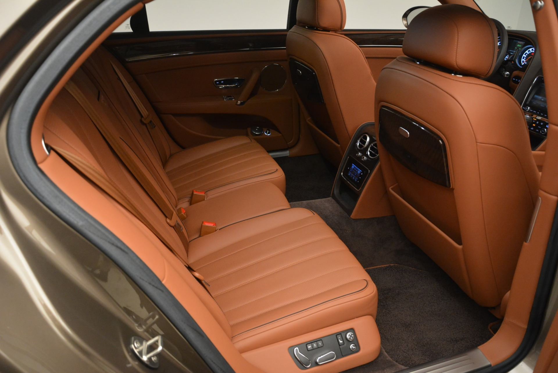 Used 2015 Bentley Flying Spur W12 For Sale In Greenwich, CT 2266_p25