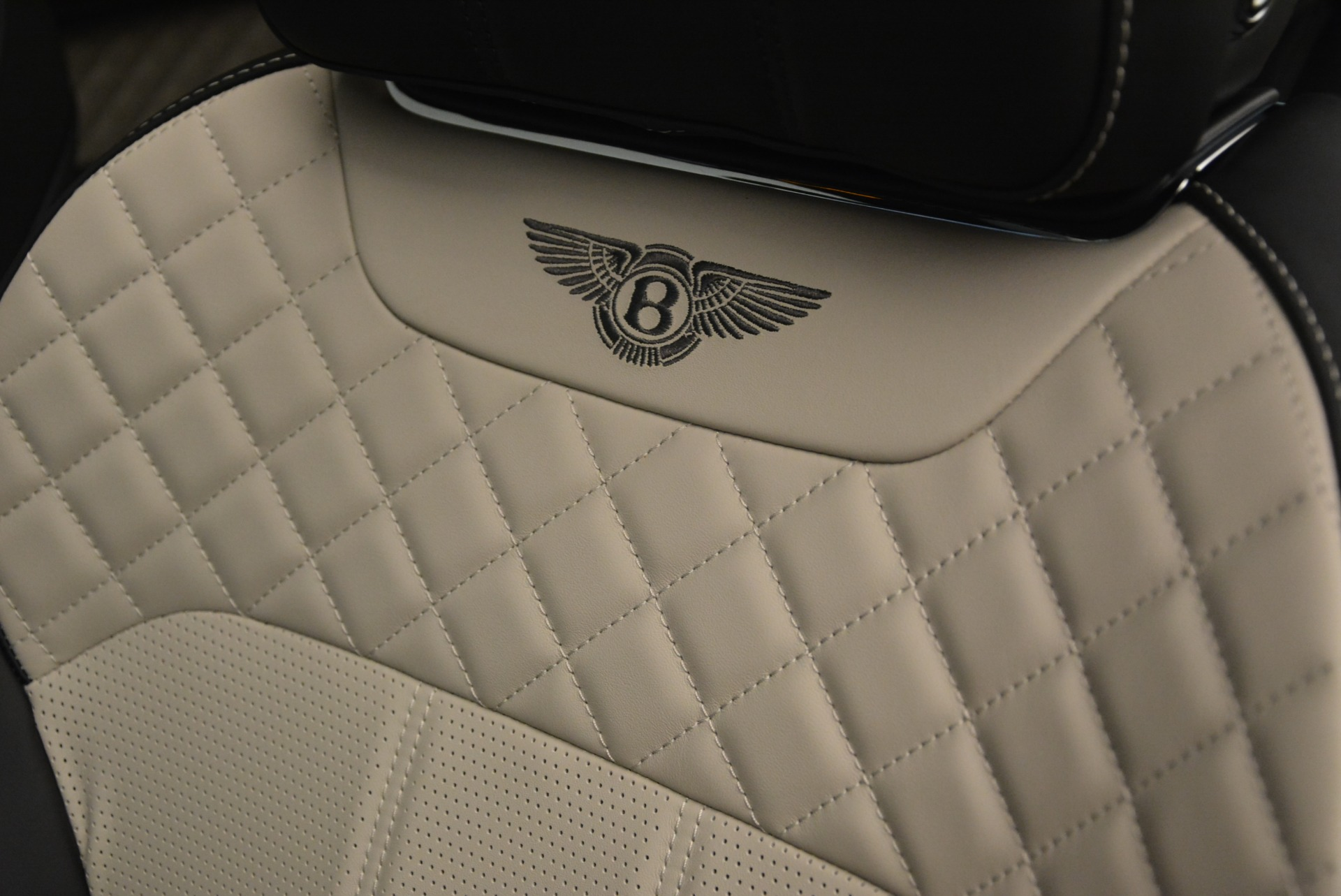 New 2018 Bentley Bentayga W12 Activity For Sale In Greenwich, CT 2280_p19