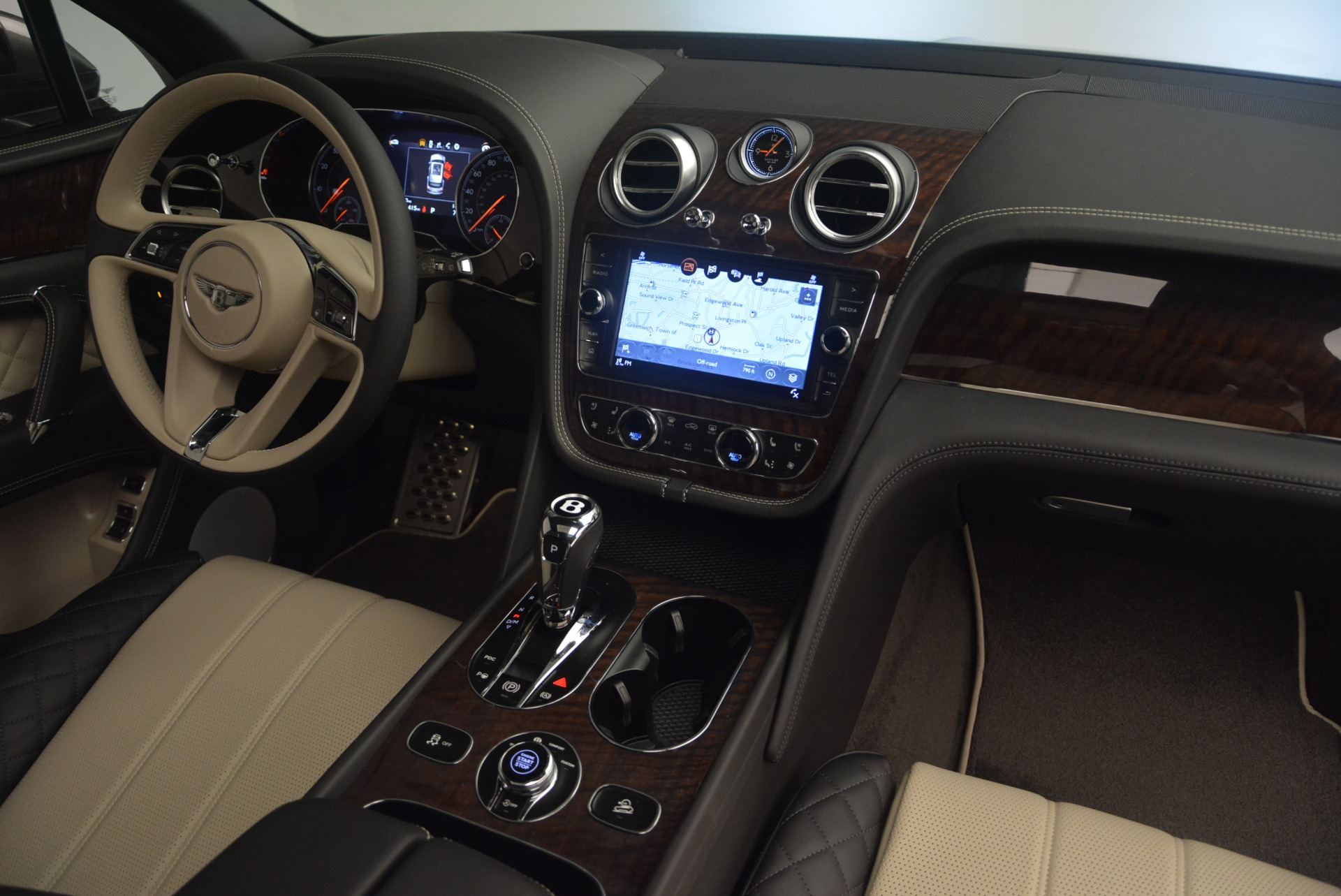 New 2018 Bentley Bentayga W12 Activity For Sale In Greenwich, CT 2280_p29