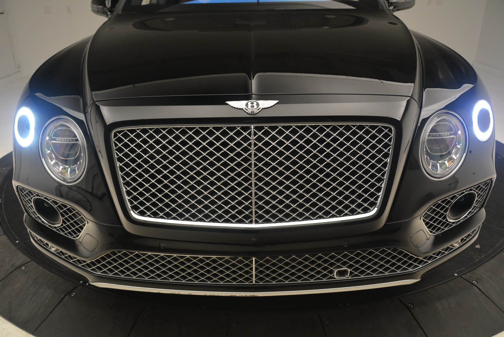 Used 2017 Bentley Bentayga W12 For Sale In Greenwich, CT 2284_p25
