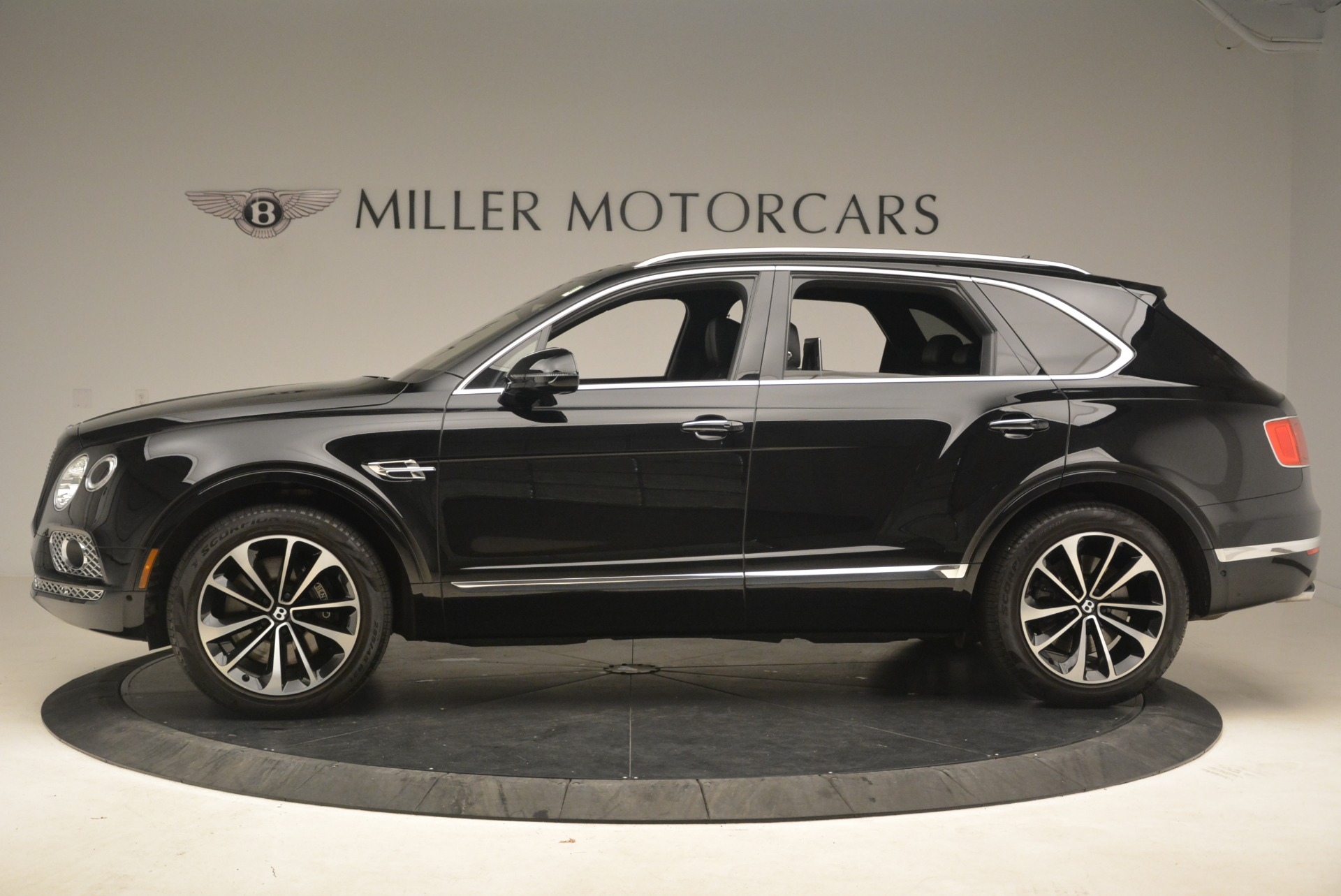 Used 2017 Bentley Bentayga W12 For Sale In Greenwich, CT 2284_p4