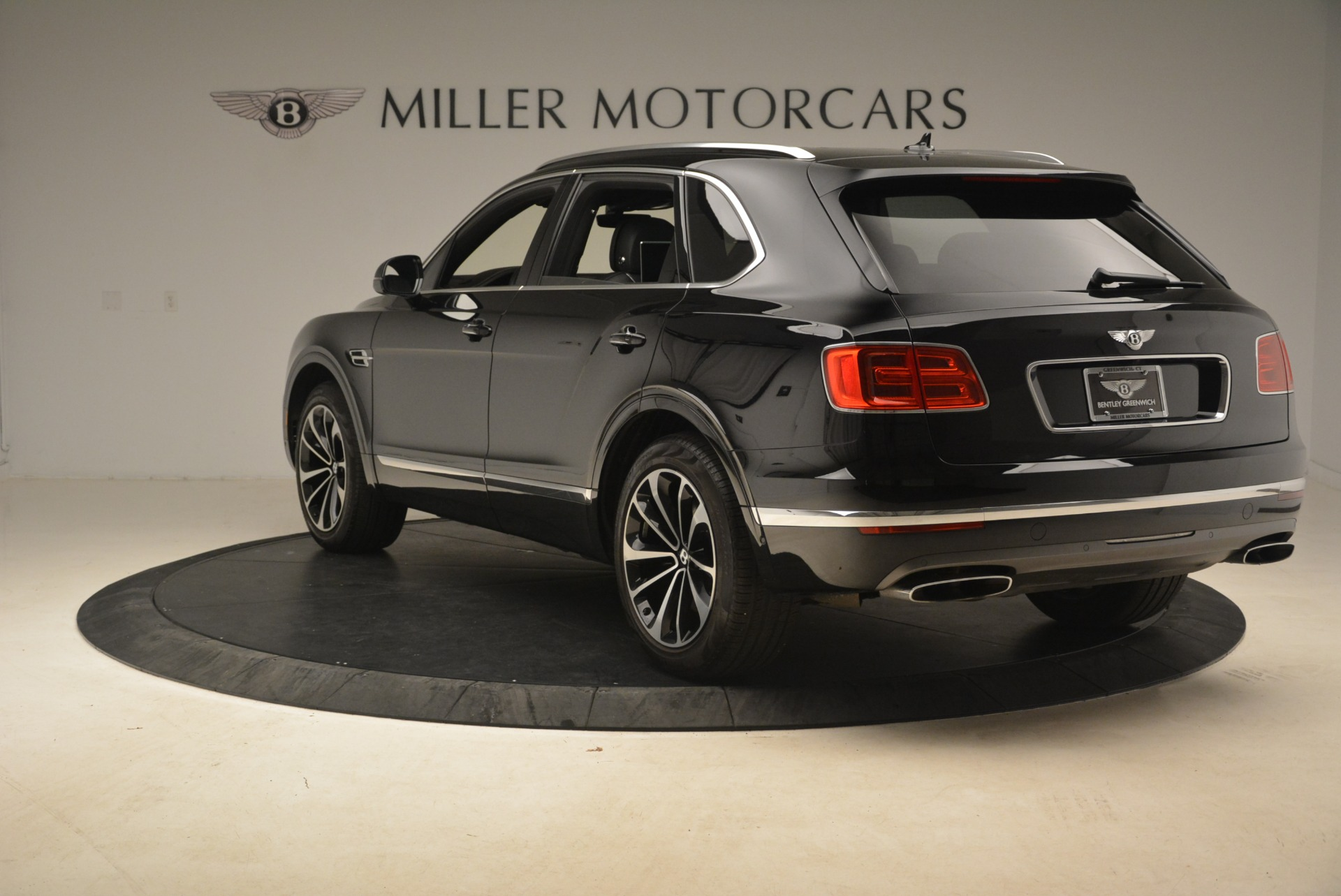 Used 2017 Bentley Bentayga W12 For Sale In Greenwich, CT 2284_p6