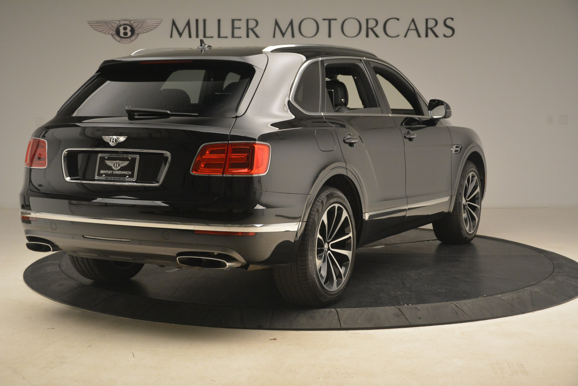 Used 2017 Bentley Bentayga W12 For Sale In Greenwich, CT 2284_p8