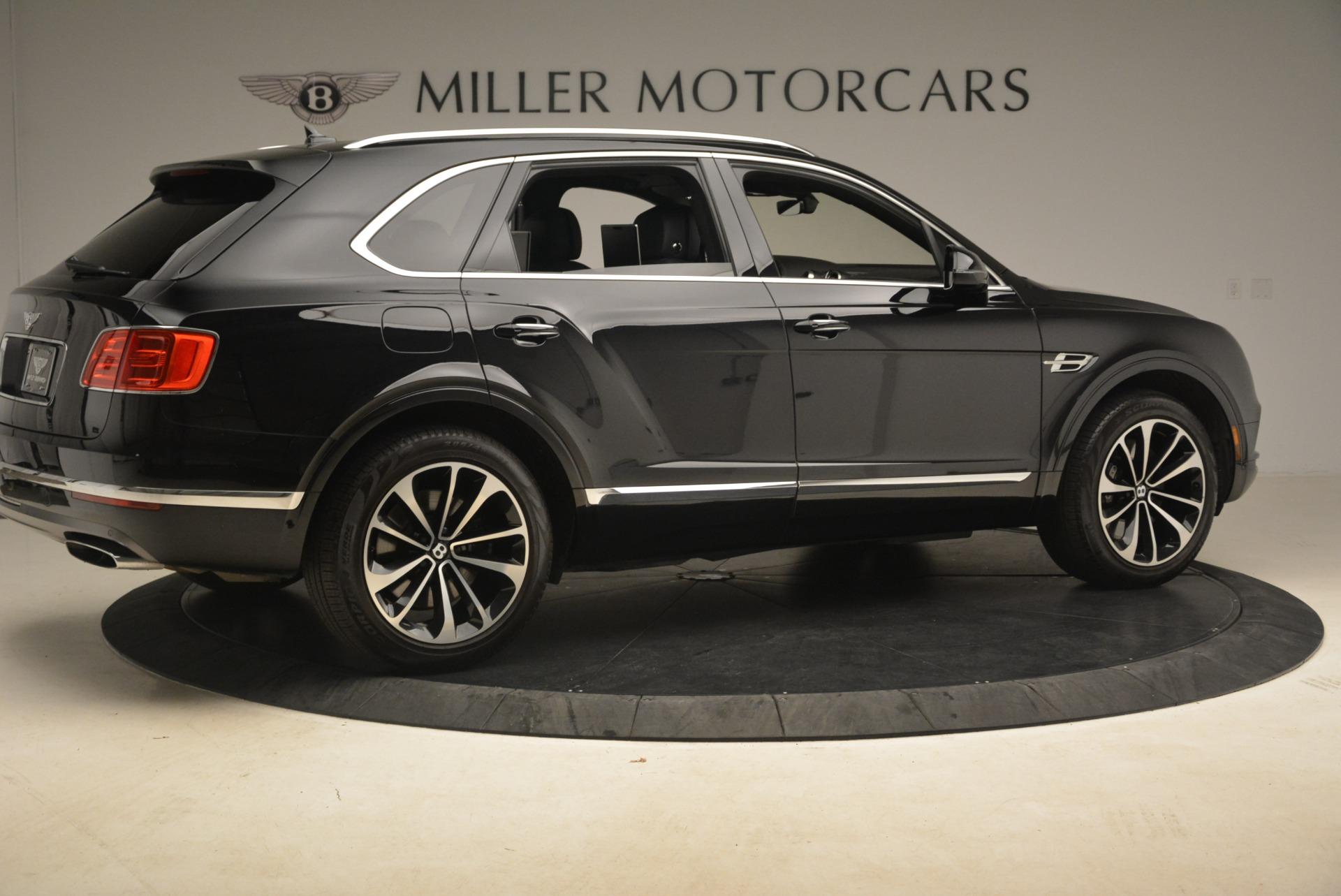Used 2017 Bentley Bentayga W12 For Sale In Greenwich, CT 2284_p9