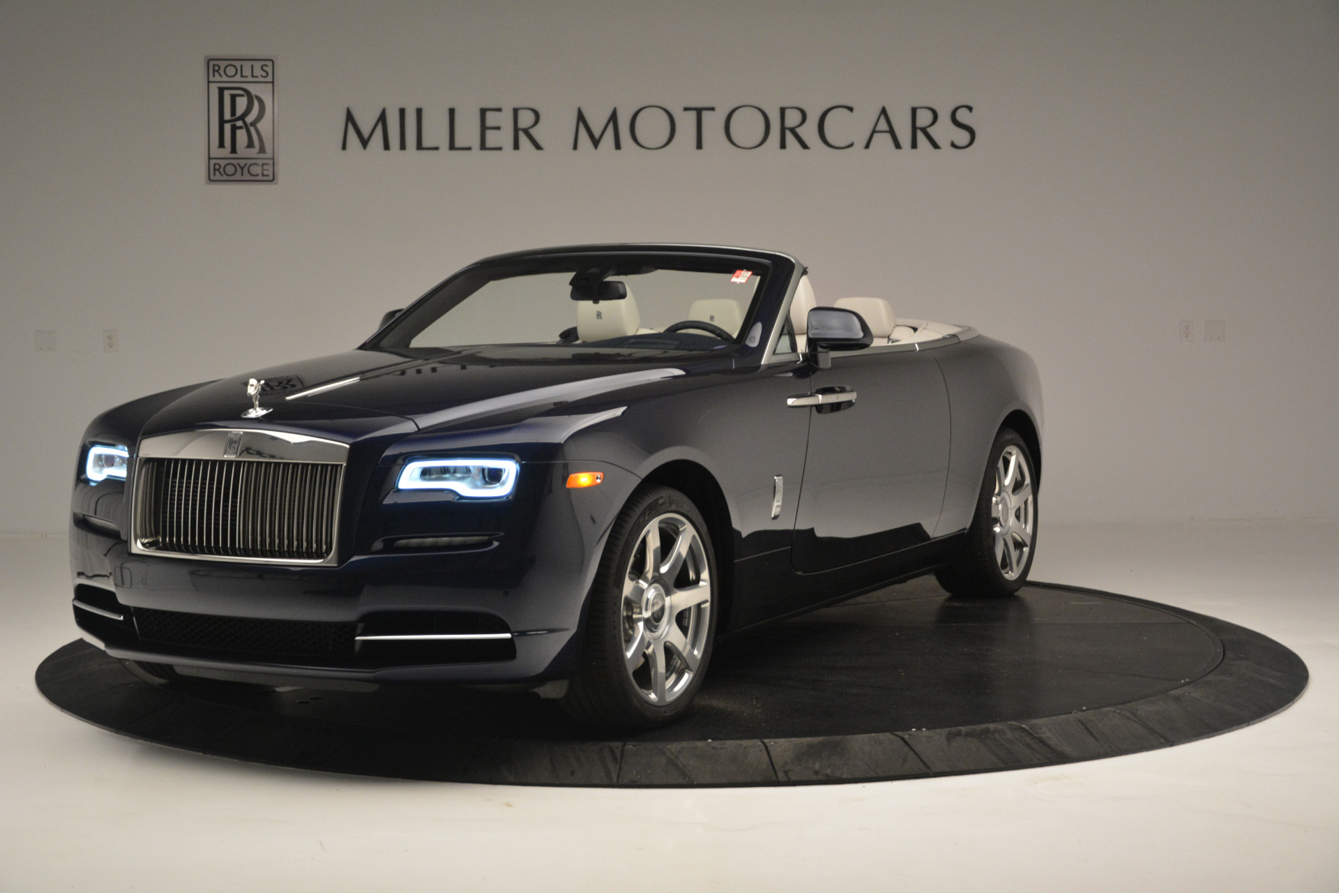 New 2018 Rolls-Royce Dawn  For Sale In Greenwich, CT 2289_main