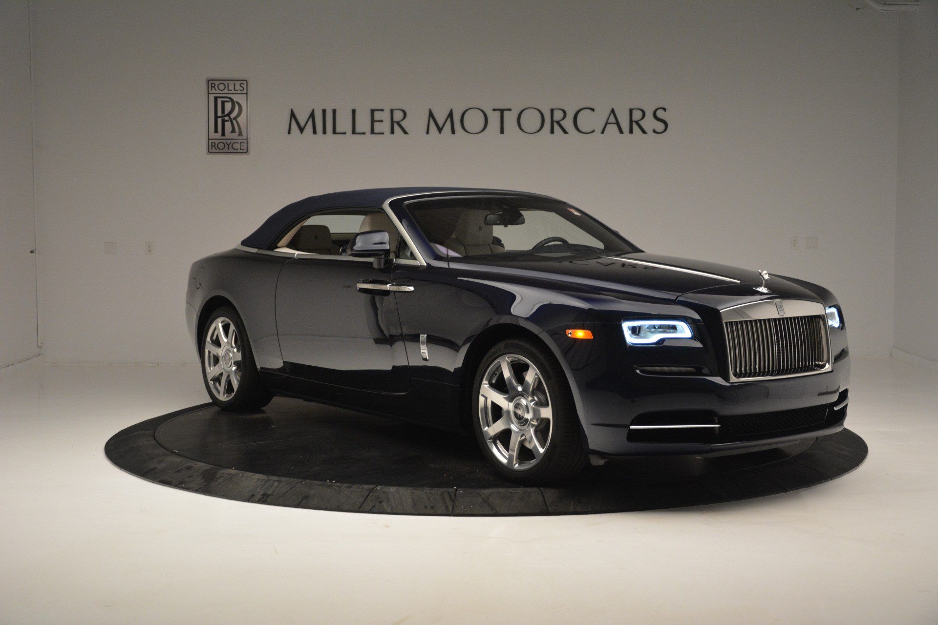 New 2018 Rolls-Royce Dawn  For Sale In Greenwich, CT 2289_p15