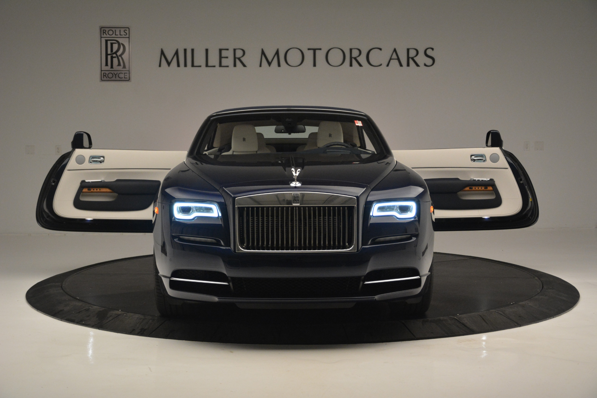 New 2018 Rolls-Royce Dawn  For Sale In Greenwich, CT 2289_p17