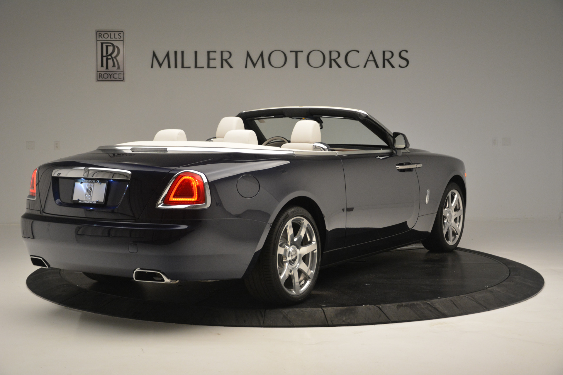 New 2018 Rolls-Royce Dawn  For Sale In Greenwich, CT 2289_p5