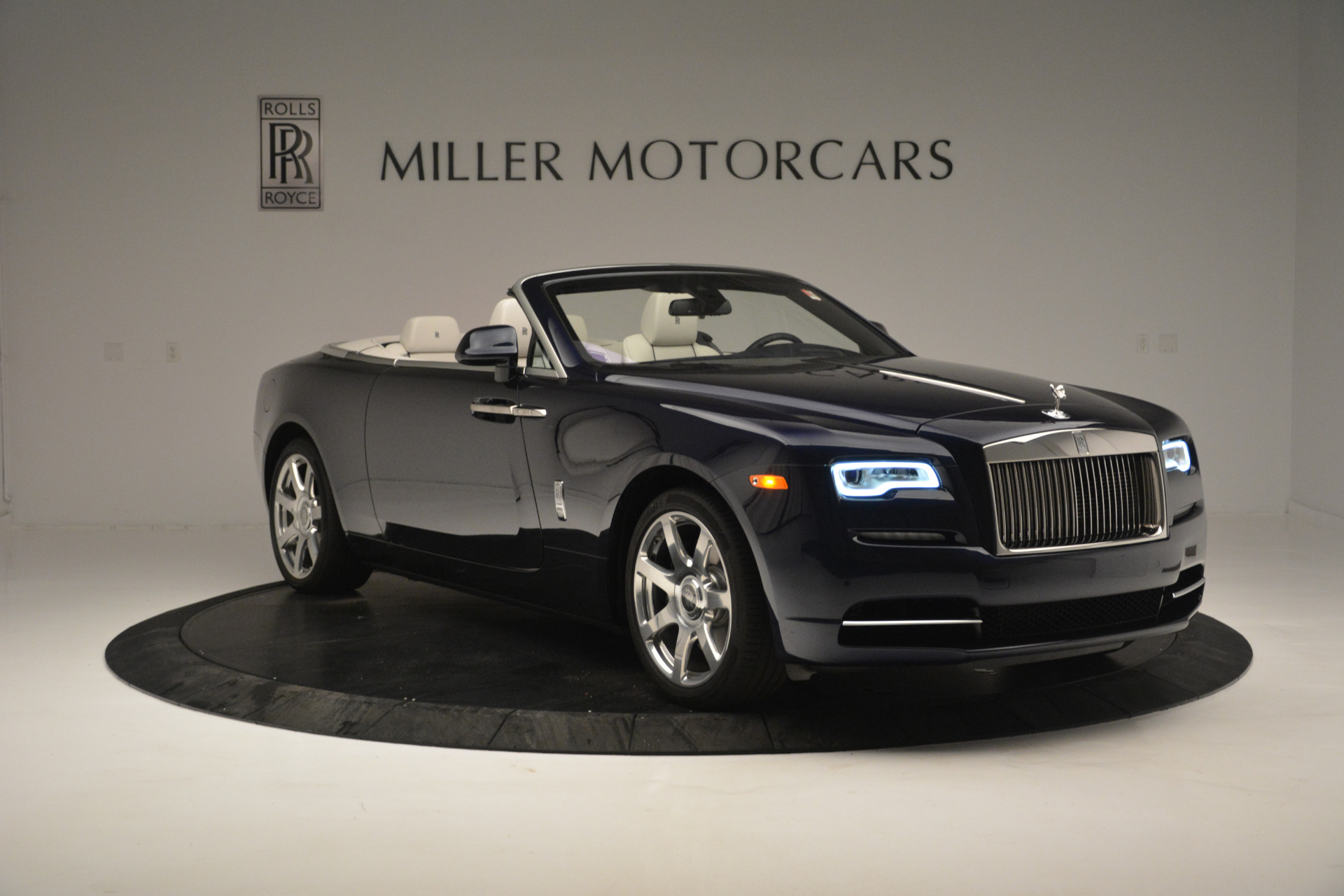 New 2018 Rolls-Royce Dawn  For Sale In Greenwich, CT 2289_p7