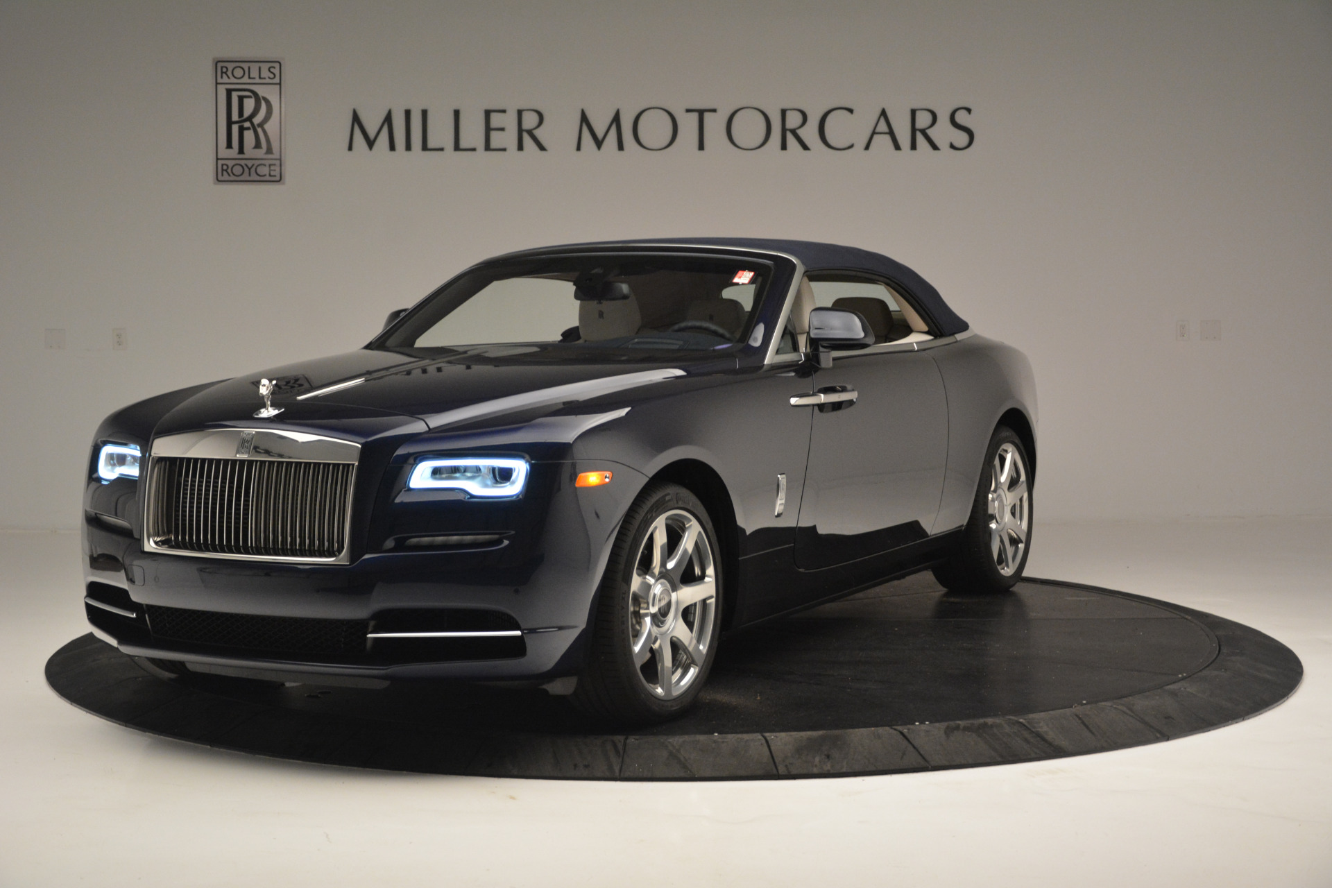 New 2018 Rolls-Royce Dawn  For Sale In Greenwich, CT 2289_p9