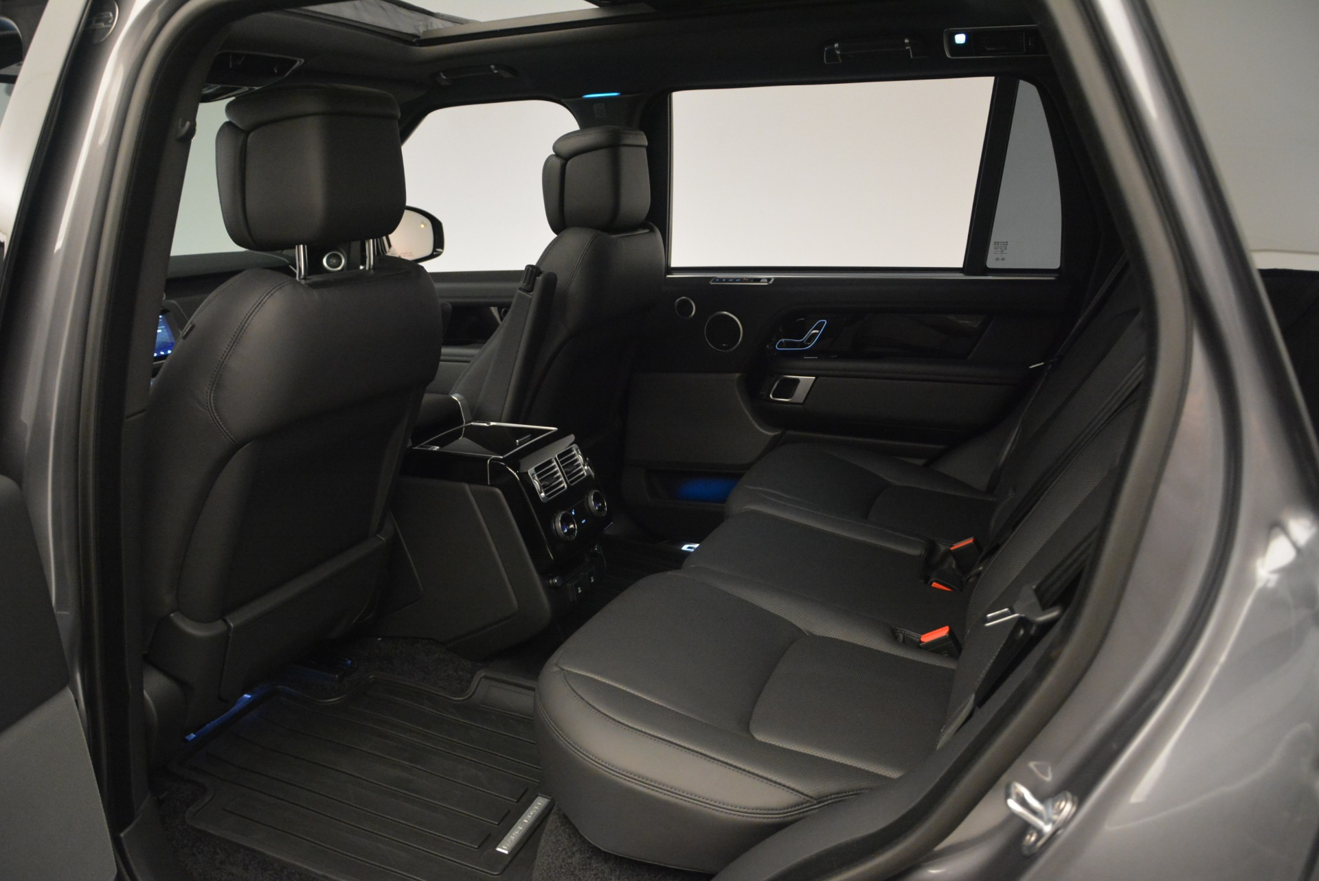 Used 2018 Land Rover Range Rover Supercharged LWB For Sale In Greenwich, CT 2291_p20