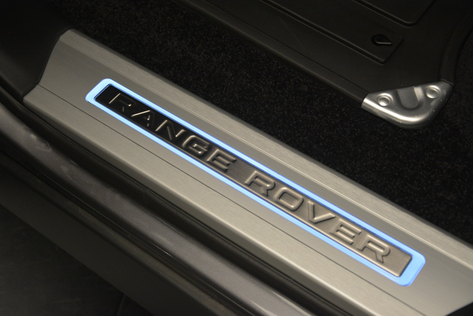 Used 2018 Land Rover Range Rover Supercharged LWB For Sale In Greenwich, CT 2291_p23