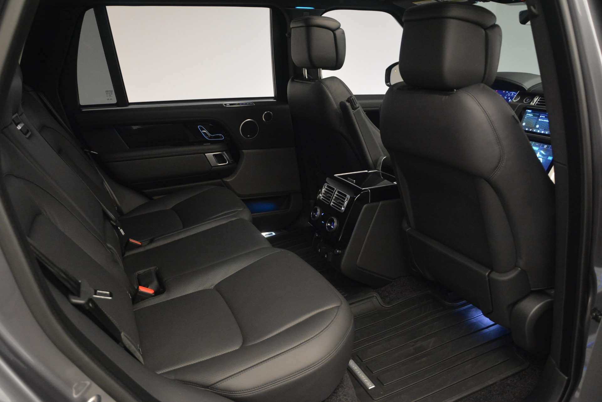 Used 2018 Land Rover Range Rover Supercharged LWB For Sale In Greenwich, CT 2291_p26