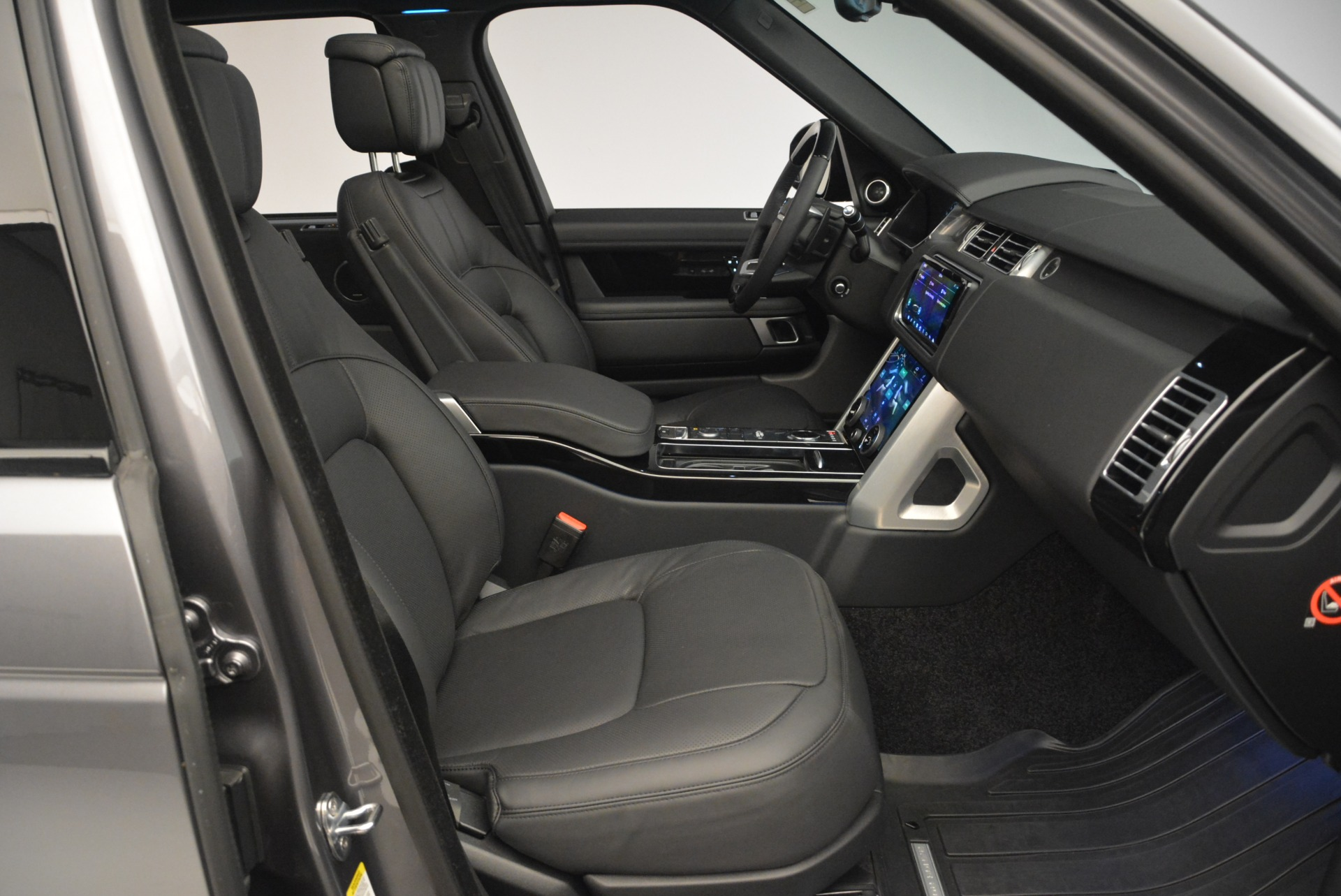 Used 2018 Land Rover Range Rover Supercharged LWB For Sale In Greenwich, CT 2291_p30