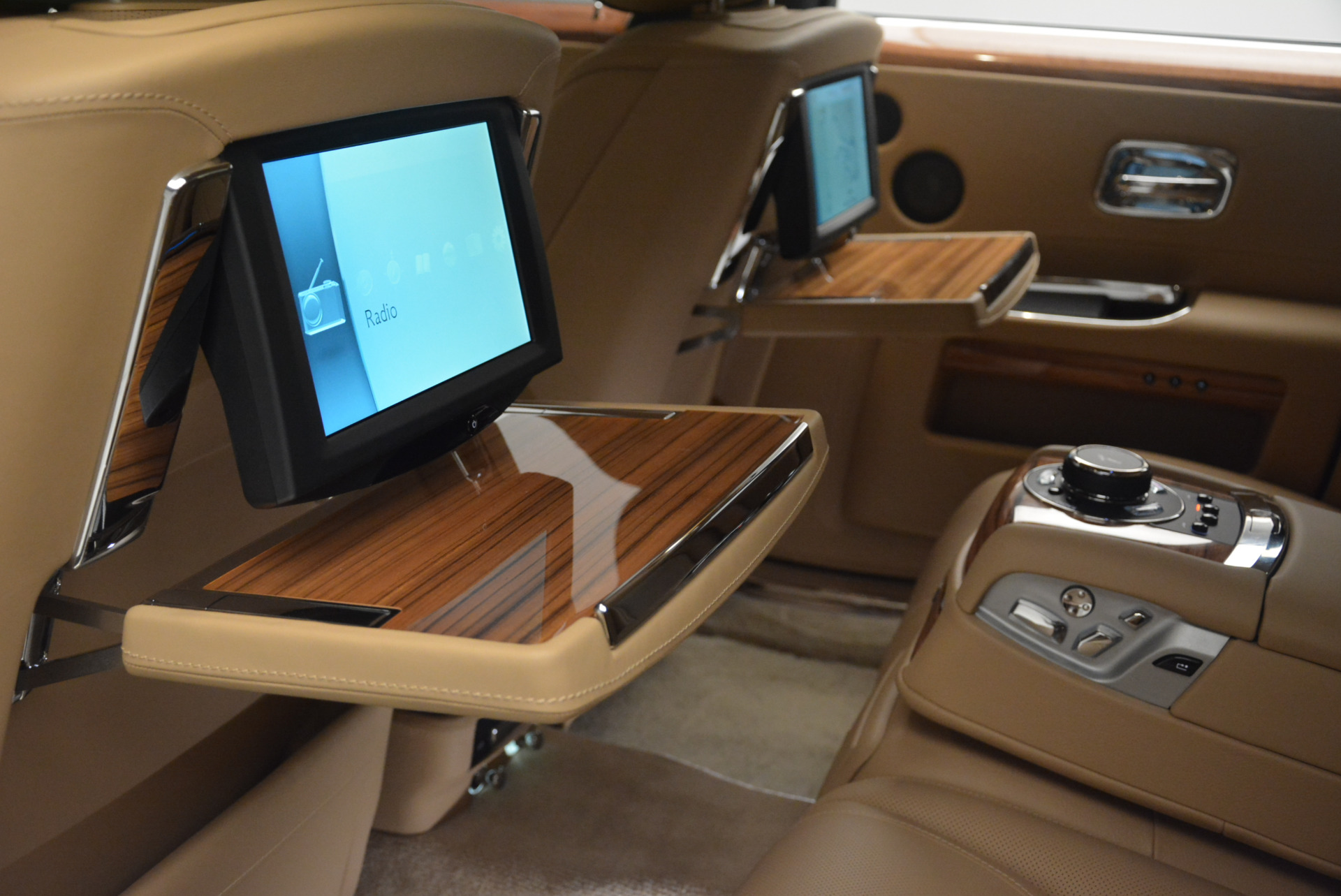 Used 2015 Rolls-Royce Ghost  For Sale In Greenwich, CT 2297_p28
